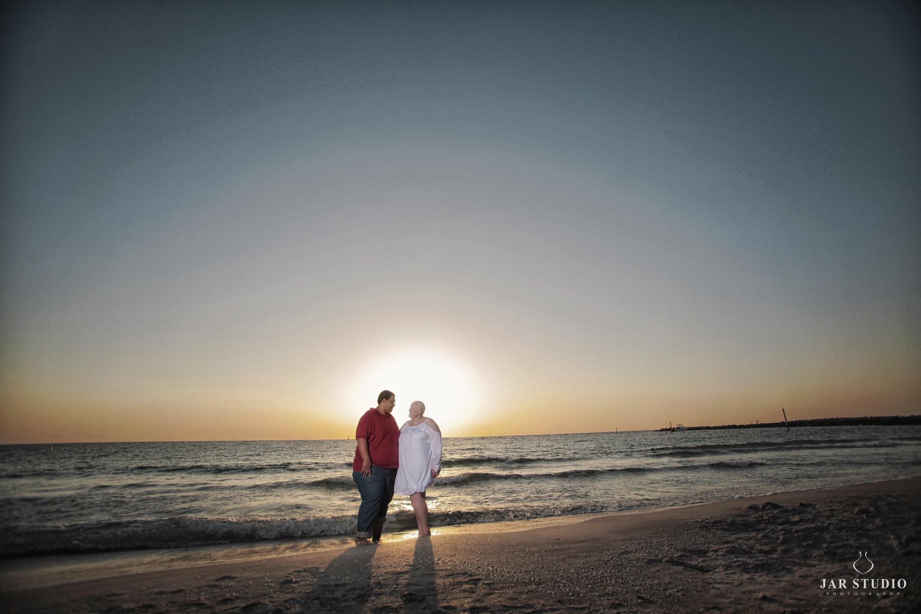 06-tampa-beach-engagement-jarstdio-photography.jpg