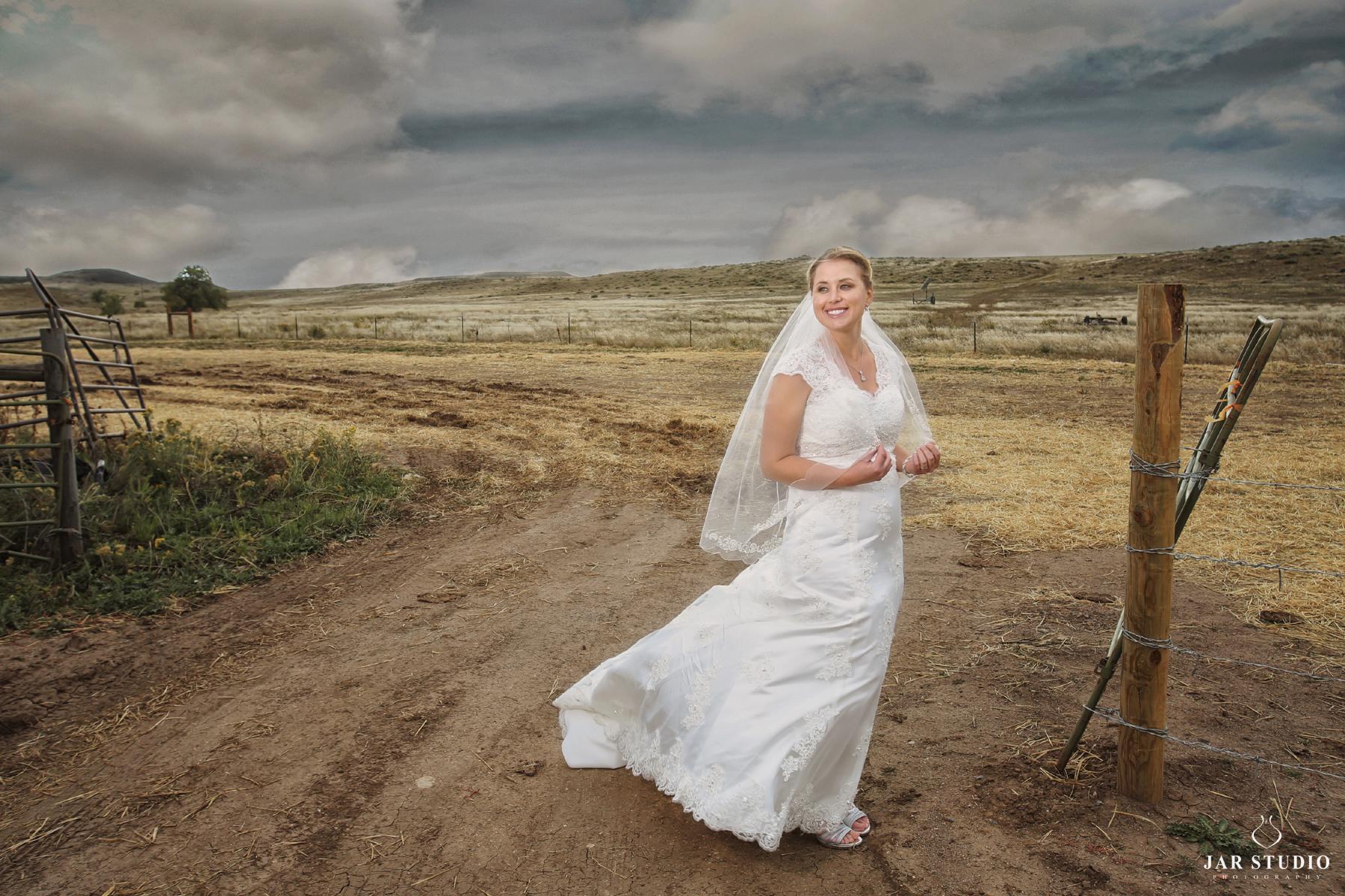 04-unique-fun-bride-portraits-jarstudio-photography.jpg