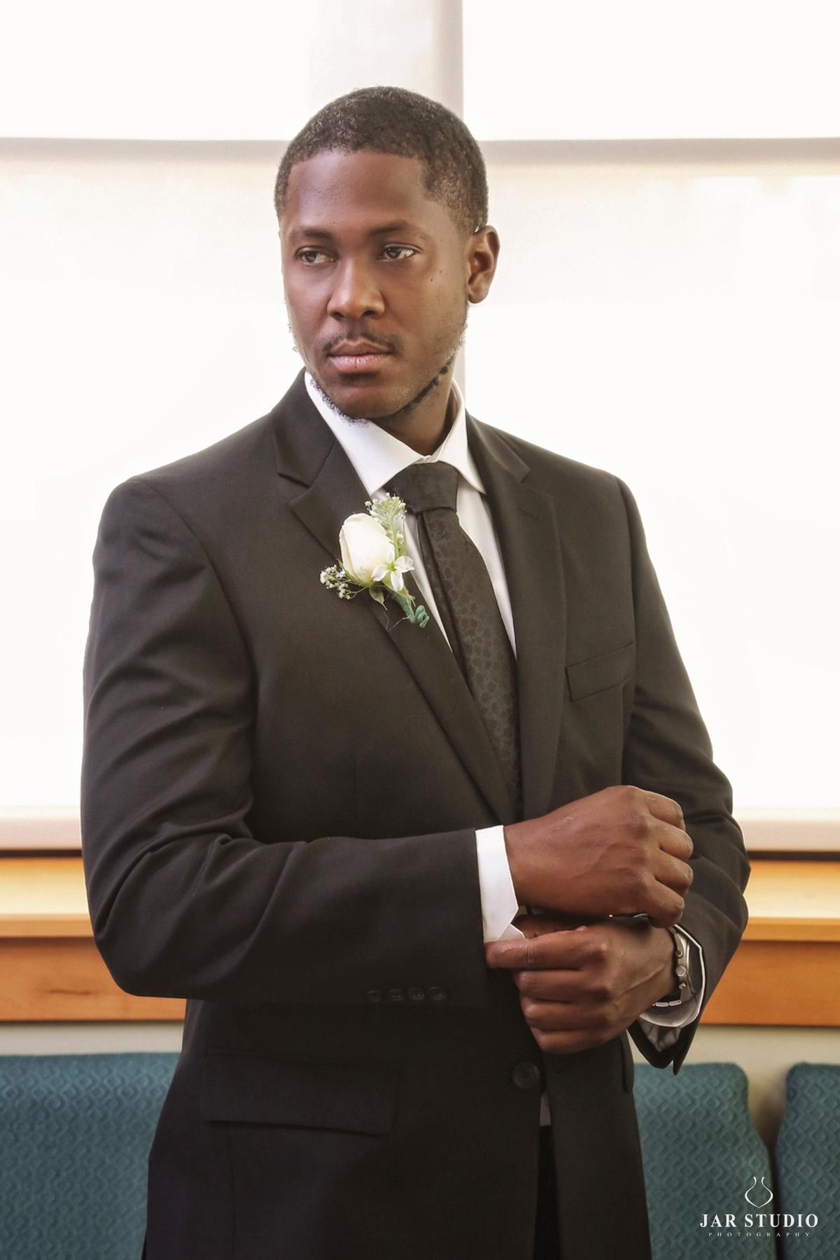 05-elegant-black-tie-groom-jarstudio.jpg