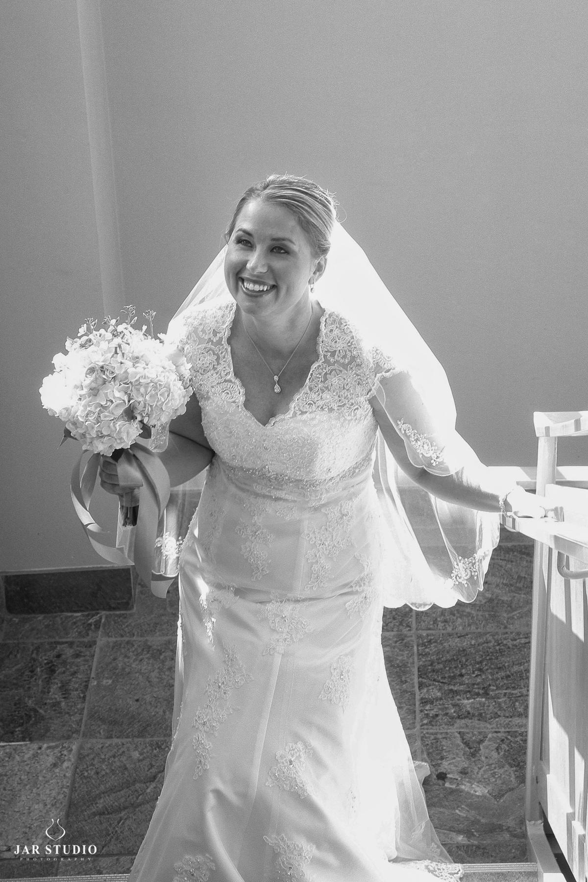 13-happy-bride-her-wedding-day-beautiful-dress-jarstudio.jpg