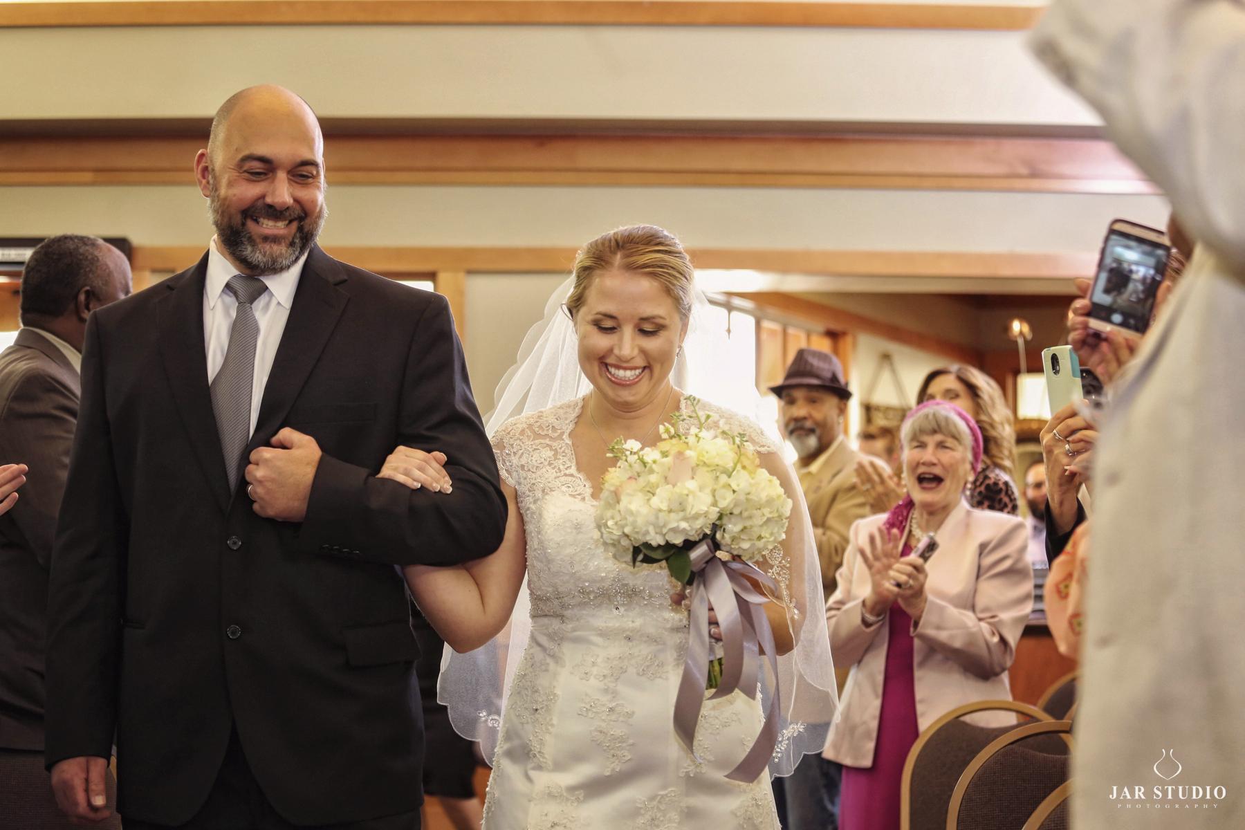 14-here-comes-the-bride-moment-jarstudio.jpg