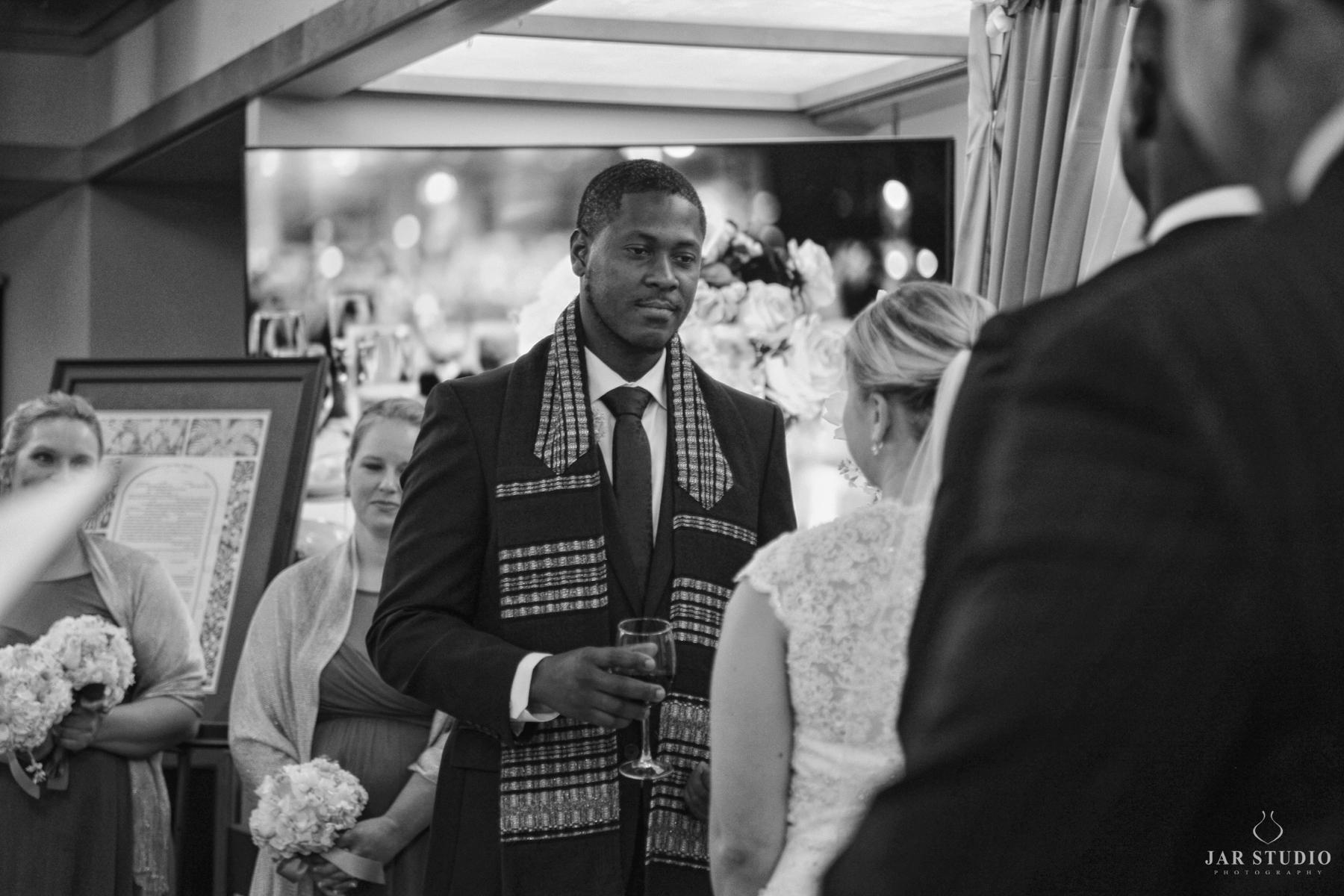 16-real-wedding-ceremony-orlando-synagogue-jarstudio.JPG