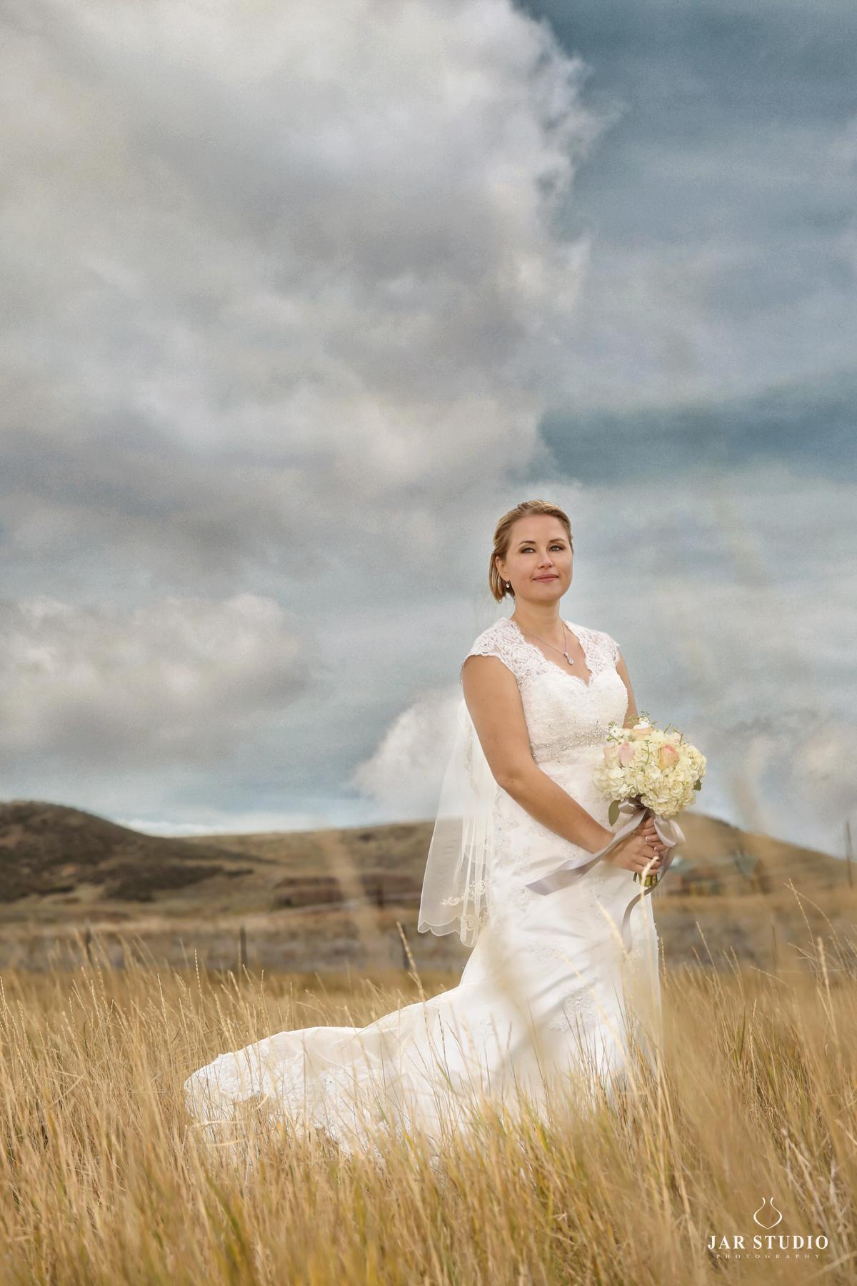 22-stunning-bridal-portrait-dress-outdoor-jarstudio.jpg