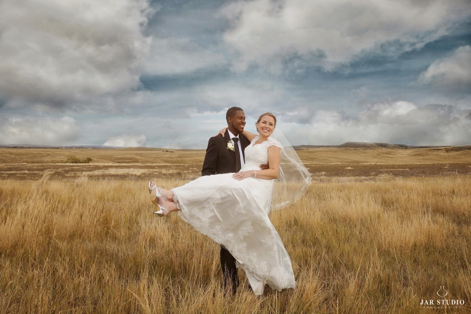 27-ideas-fun-couple-jarstudio-photography.jpg