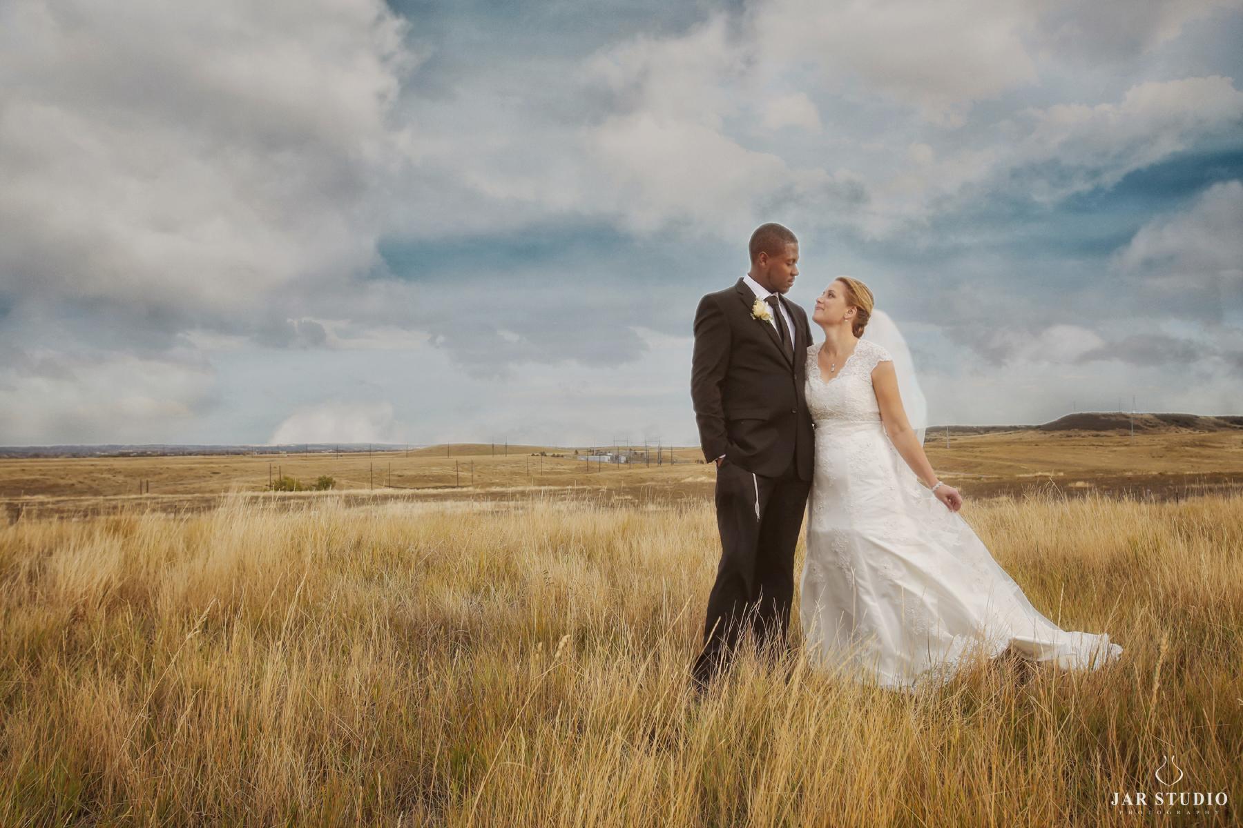 28-movie-like-romantic-wedding-photography-jarstudio.jpg