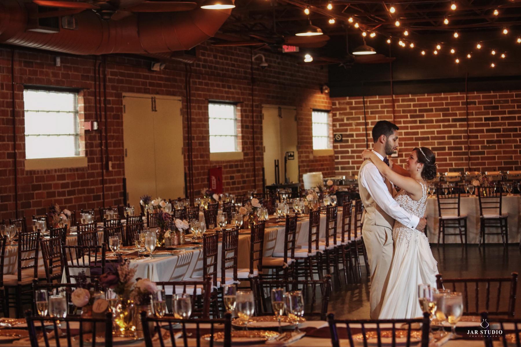 luxurious-winterpark-wedding-photographer