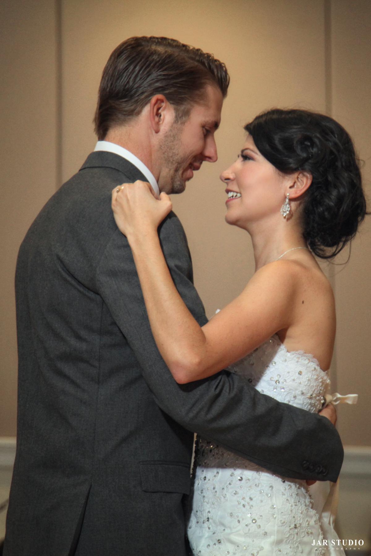 z-Lakeshore-Center-wedding-photographer-jarstudio (2).JPG