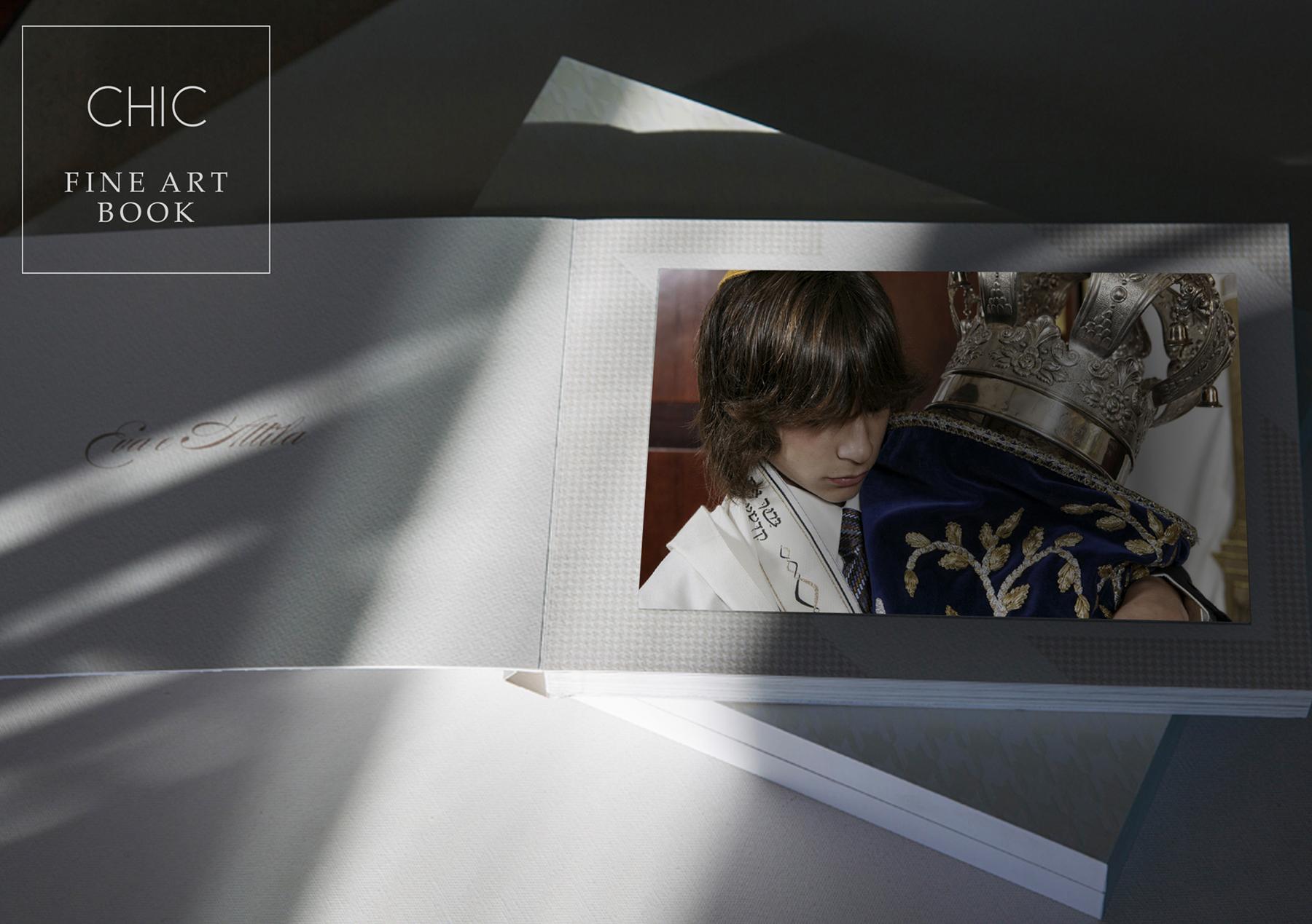 Album Chic - Size 13x9 | Custom Design 30 Pages | $1,100