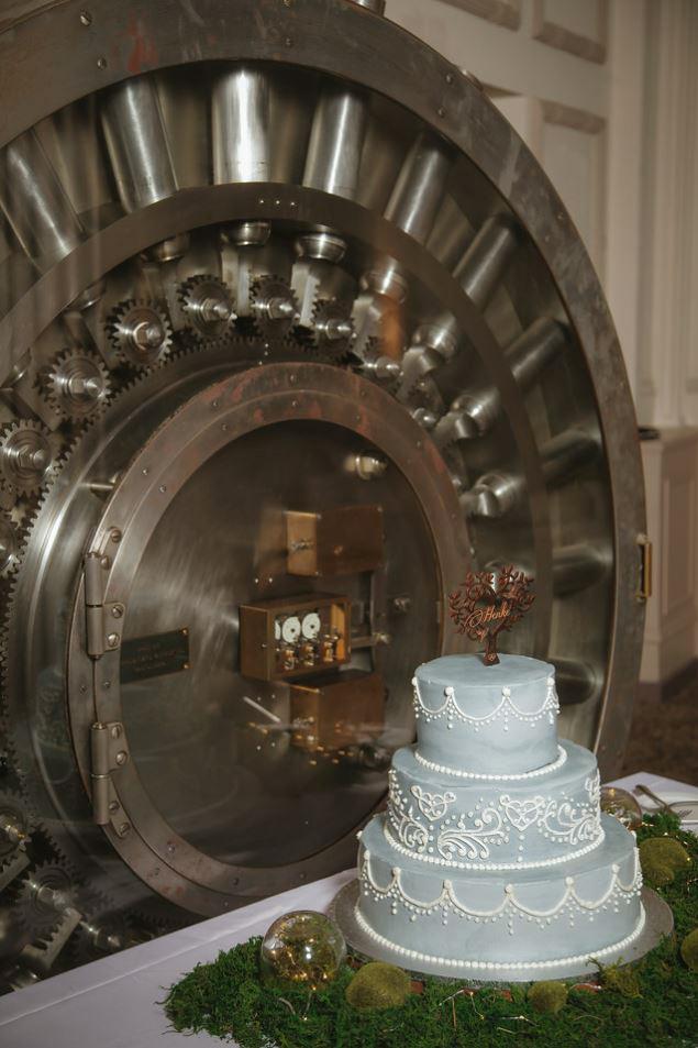 23-Treasury-onthe-plaza-SaintAugustine-wedding-photographer-jarstudio.JPG