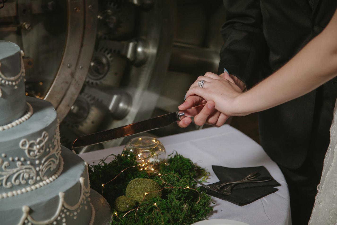 25-Treasury-onthe-plaza-SaintAugustine-wedding-photographer-jarstudio.JPG