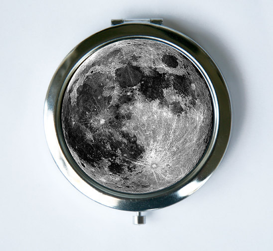 Full Moon Compact  from  che655