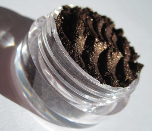 Kmms   Mineral Eyeshadow in Dark Chocolate Brown   ($2.25+)