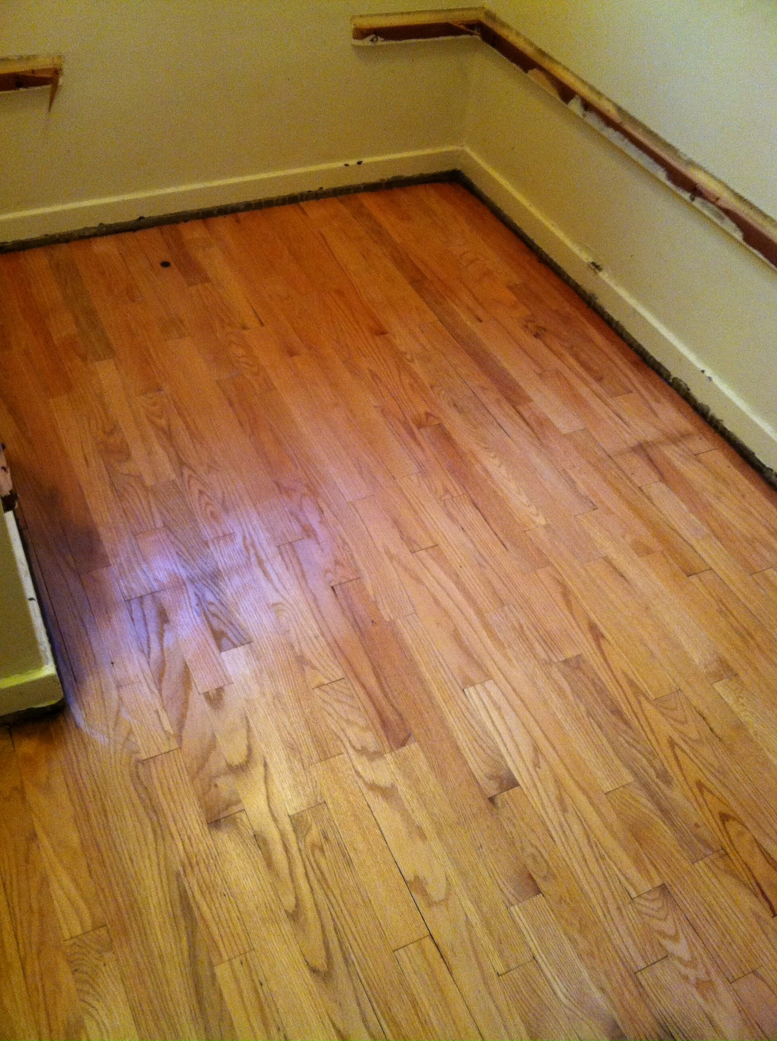 Great group of guys. Re-finished my damaged wood floors and made them looking new again. My floors look fantastic. They were on schedule and got the job done on time as planned. I would recommend them. I absolutely plan on using them again.    JULIUS Lema