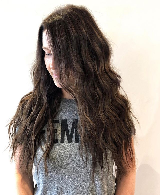 "☾ Jackie ☾ With 2 rows of 18"" custom colored handtied extensions 🍫 swipe to see how much @habitextensionmethod can change your life!"