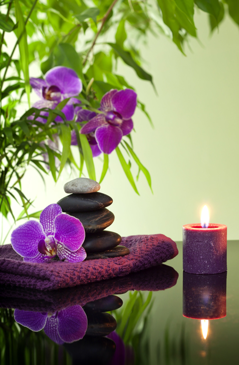 Traditional Swedish or Deep Tissue Massage - This technique is a great way for you to feel relaxed, pampered and rejuvenated. This is a full session and session time begins when the hands on therapy begins.30 - MINUTE SESSION - Ideal for focusing on a specific area of pain such as neck or back....$4060 - MINUTE SESSION - Designed to ease muscle pain and to foster total-body relaxation......................................................$6090 - MINUTE SESSION - Allows for extended attention to tense or tender muscles in particular areas or for those who truly want to be pampered...................................................$100Turn your 60 or 90 minute session into a HOT STONE MASSAGE for just $15 more.