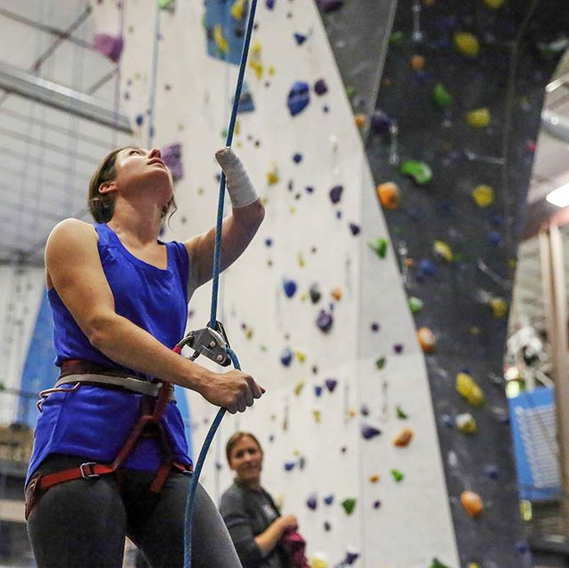 Yo! Fam! With a lot of your input, I worked with @paradoxsports, @eldowalls and @climbingjournal to put together a guide for new and existing gyms on how to be Physically Inclusive with their spaces and programming.   Link in bio!   Photos courtesy of Paradox Sports   @thenorthface @thenorthface_climb @scarpana @petzl_official @sterlingrope @gnarlynutrition @usaparaclimbing @usaclimbing #adaptiveathlete #disabilities #rockclimbing #gimpsnotwimps