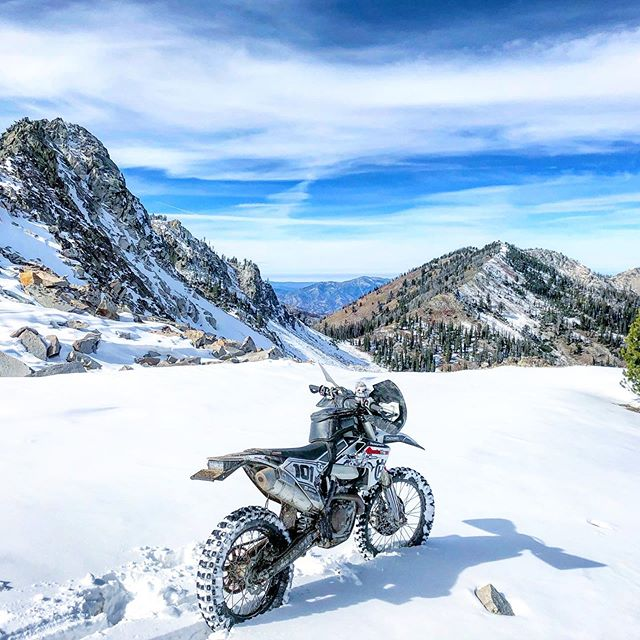 Sometimes snow tries to stop your adventure.  Sometimes a mechanical.  But most adventures stop because you don't text or call your riding buddy back.  You should probably text or call them back 🤔 #motothenw