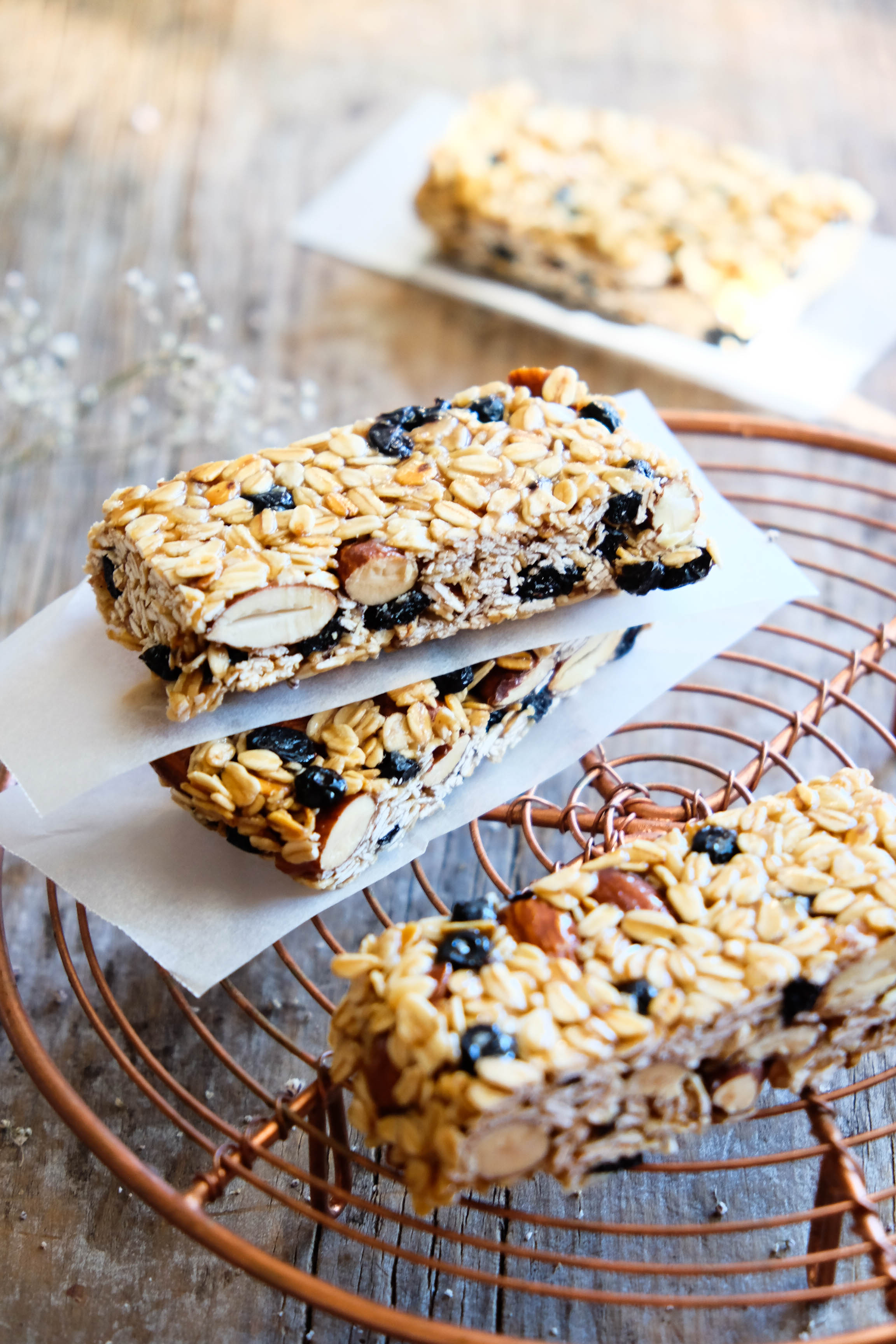 Healthy muesli bars with only 7 ingredients!