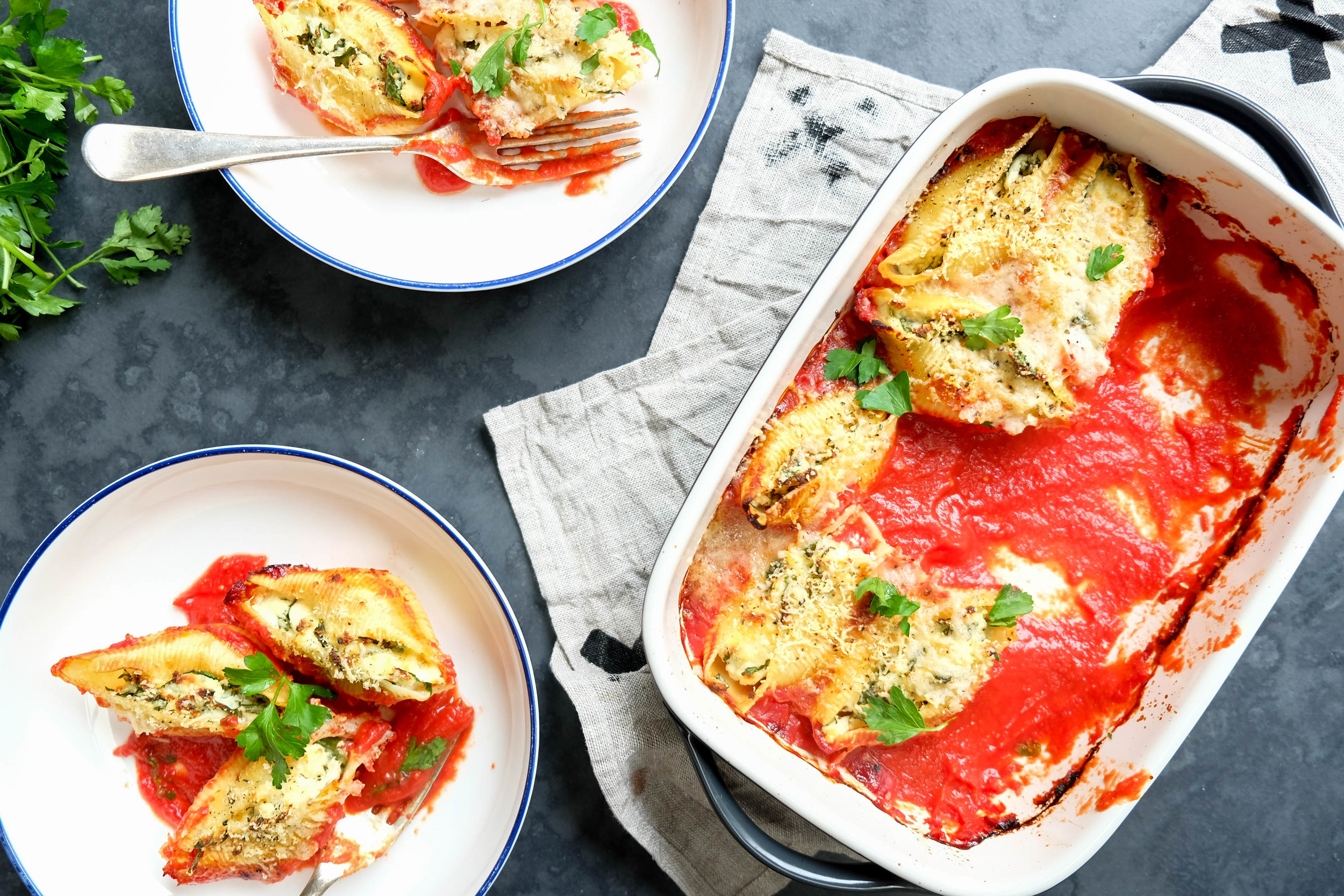 Baked spinach and ricotta shells