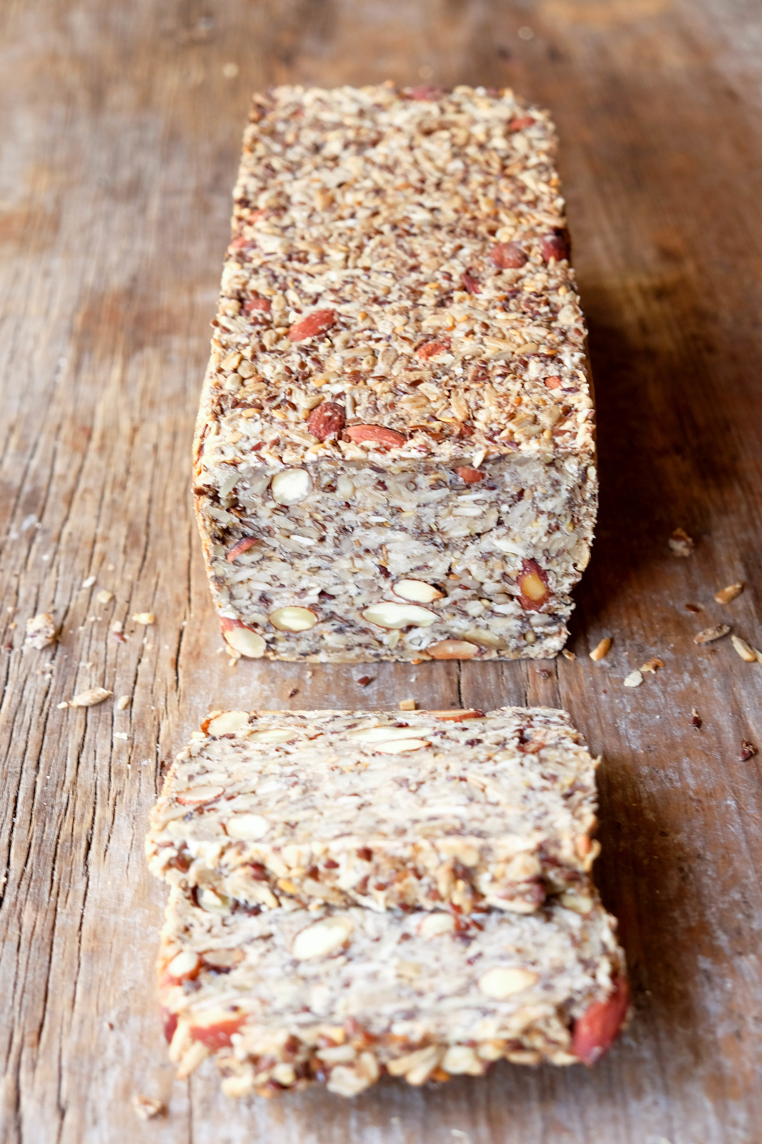 Delicious and healthy hi-fibre loaf