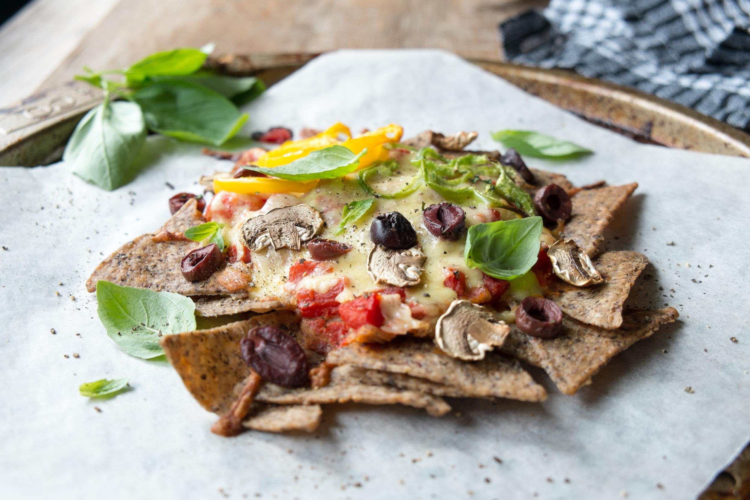 Healthy pizza nachos
