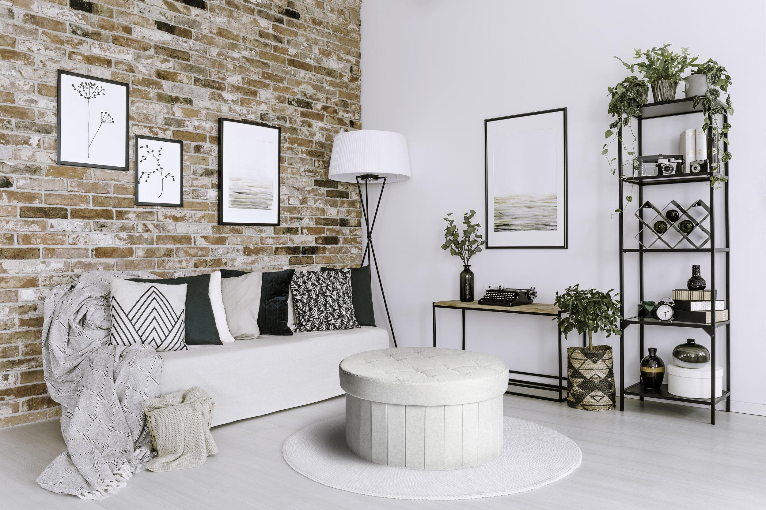 STR06900_roundgreyottoman_lifestyle_livingroom.jpg