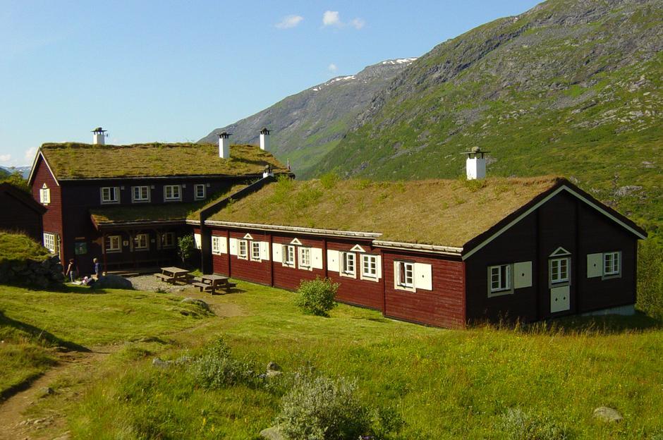 Skogadalsbøen turisthytte. Foto: DNT