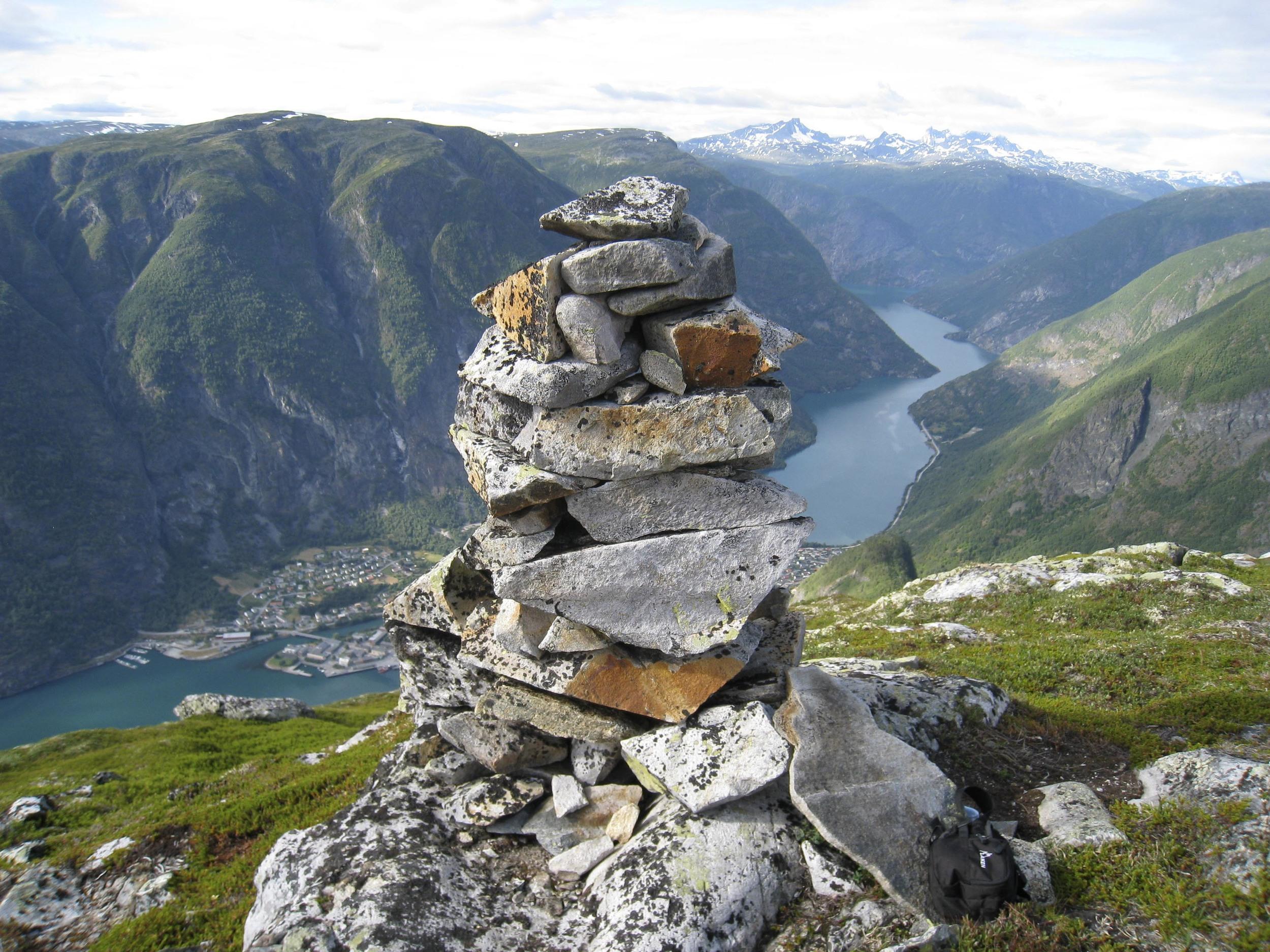 Utsikt mot Årdalstangen frå Middagshaugen C.S IMG_0840.jpg
