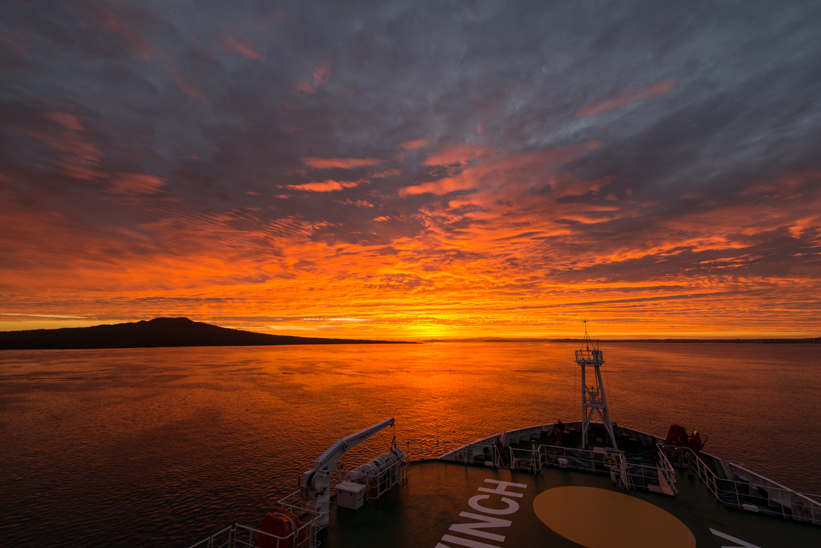 Sunrise from RV Sonne on arrival in New Zealand