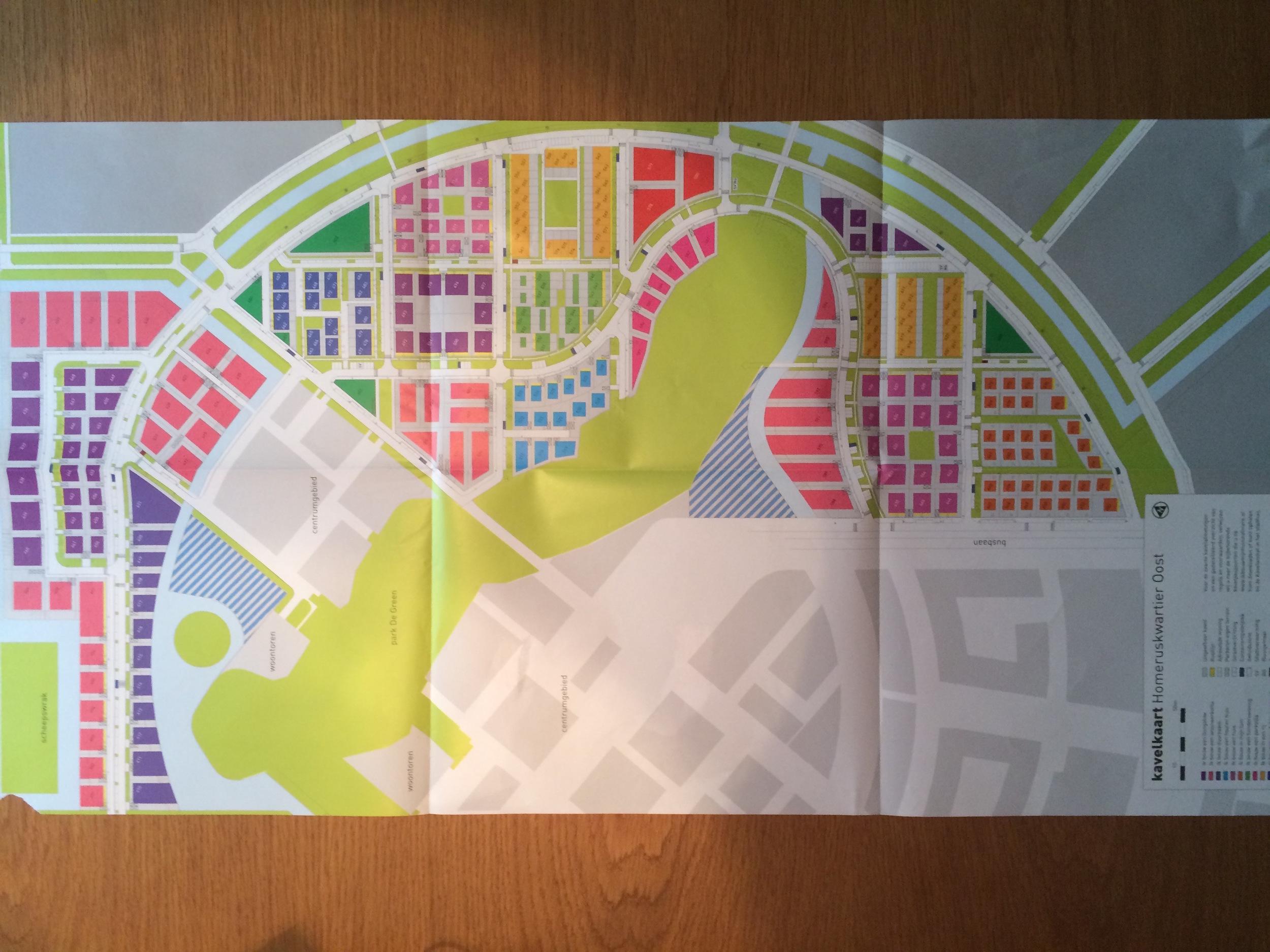 """Overblikskort der viser kommunens overordnede plan. Farvekoderne refererer til et tilknyttet magasin, hvor man kan læse om de kendetegn, der knytter sig til de forskellige zoner. Hvis man fx vil bo højt, lavt eller """"hippisch""""."""