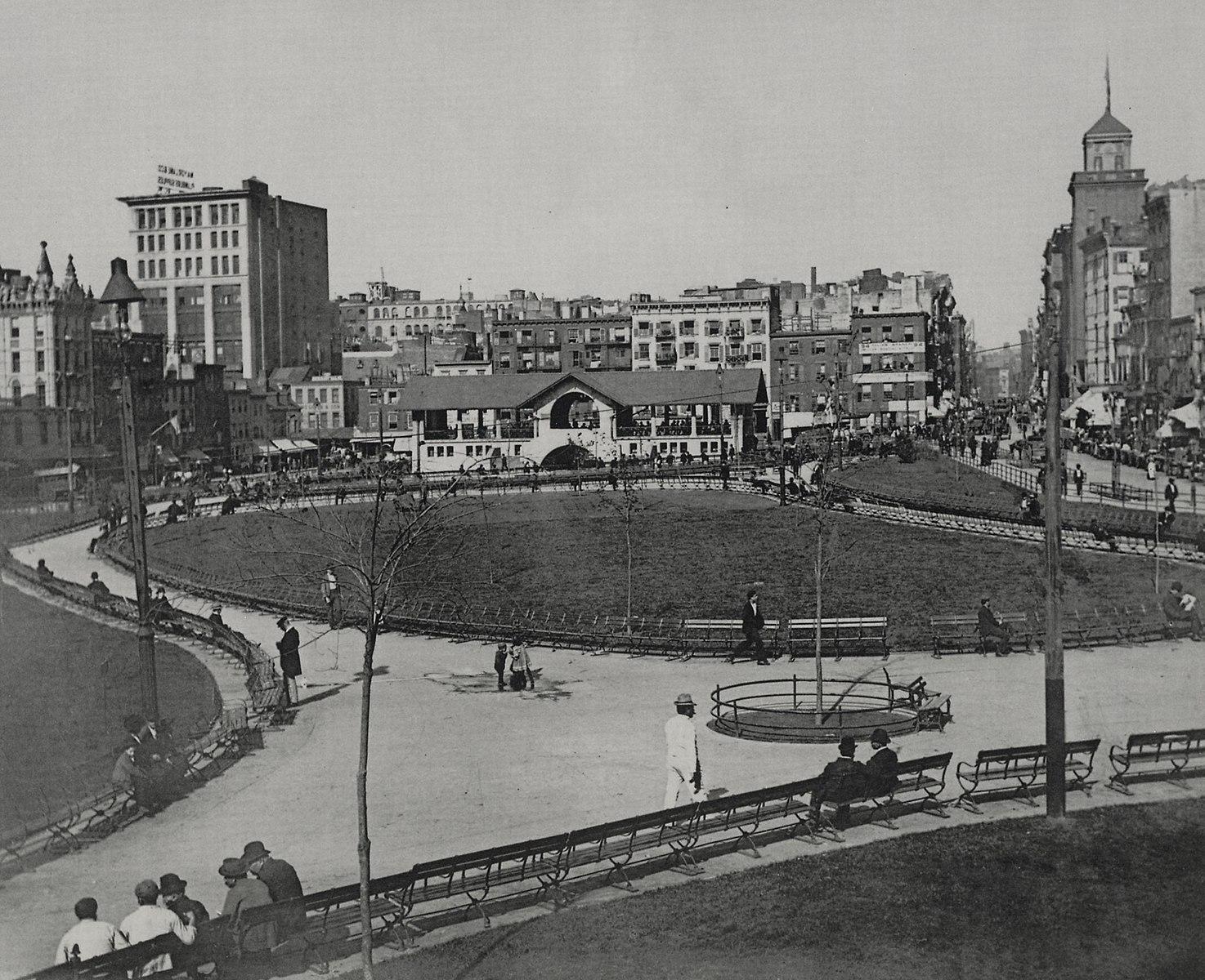 Mulberry Bend Park, efter nedrivning af lodging houses og anlæg af park.