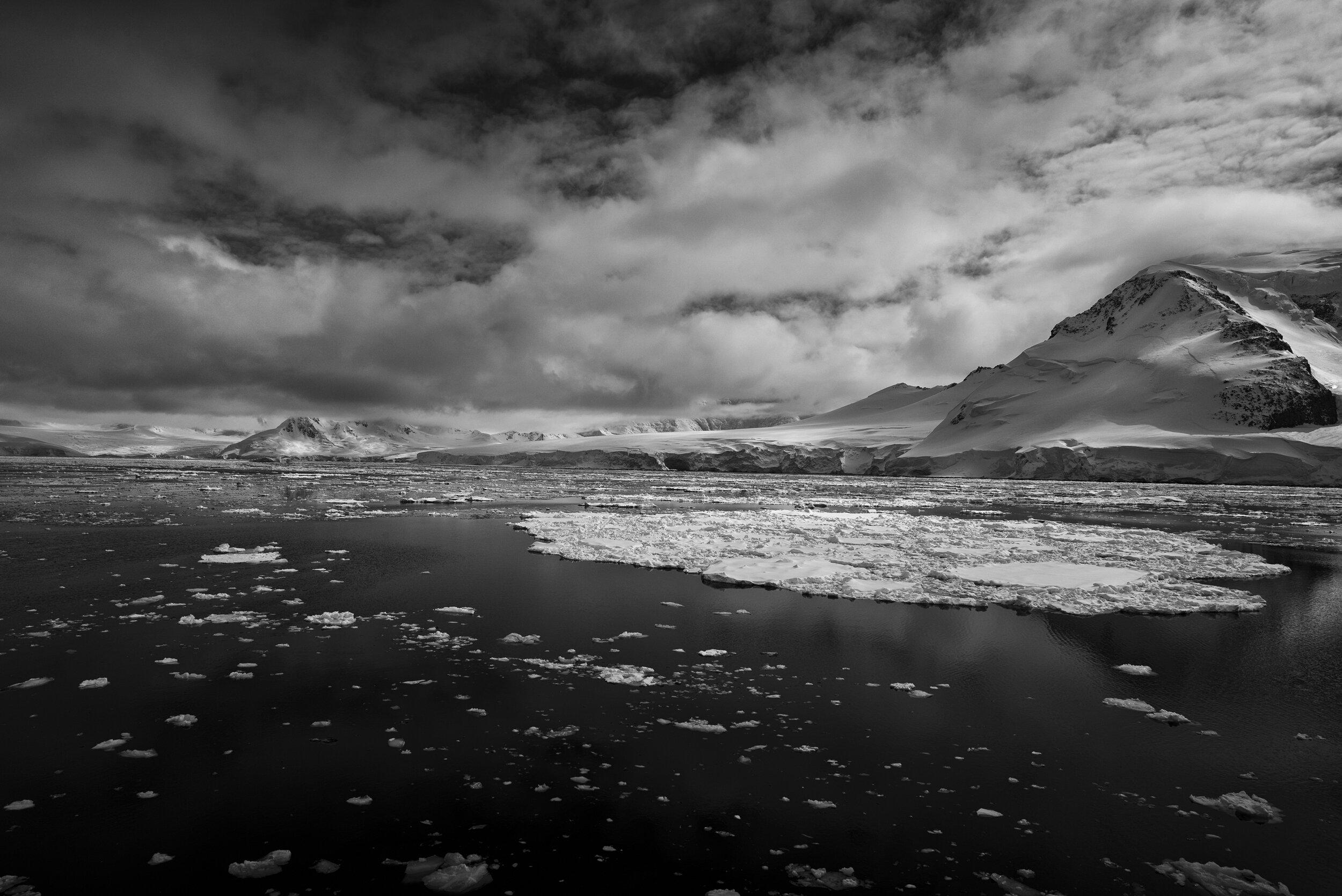manuel_uebler_antarctica_bw_002.jpg