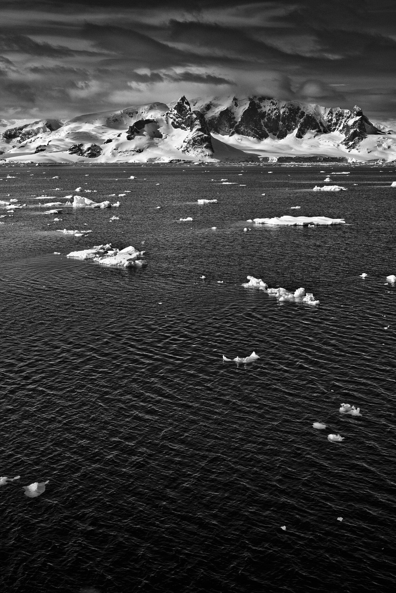 manuel_uebler_antarctica_bw_003.jpg