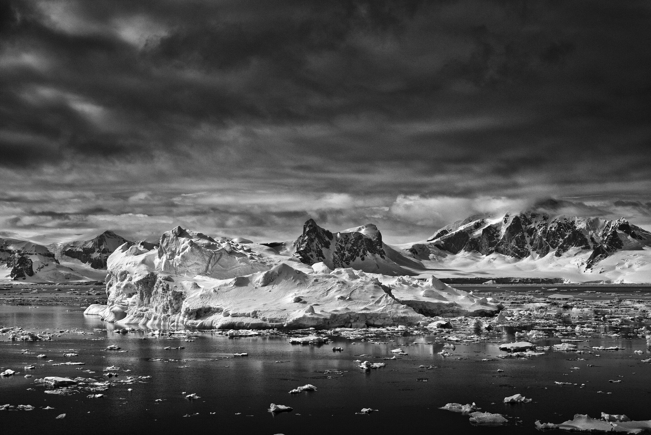 manuel_uebler_antarctica_bw_006.jpg