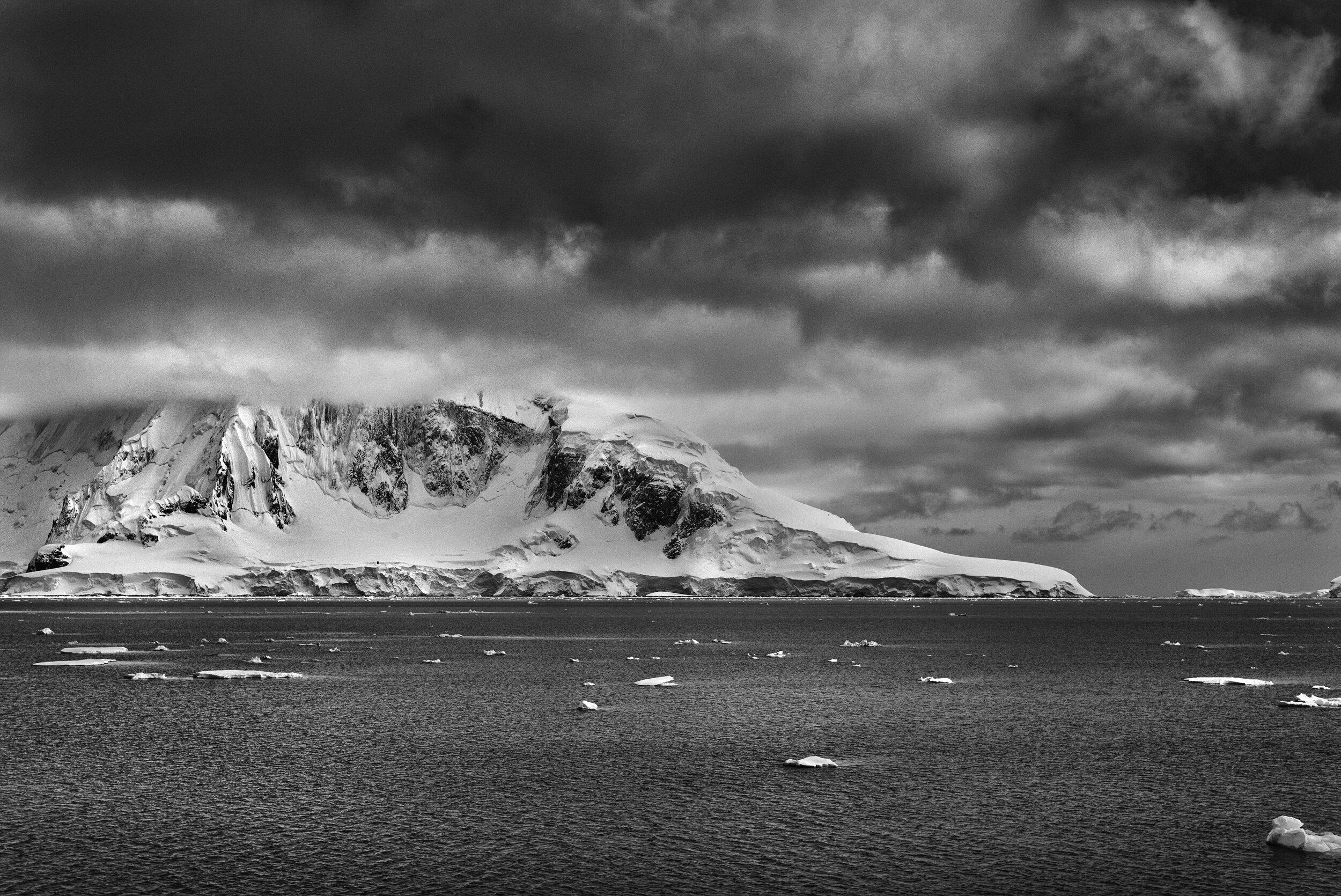 manuel_uebler_antarctica_bw_005.jpg