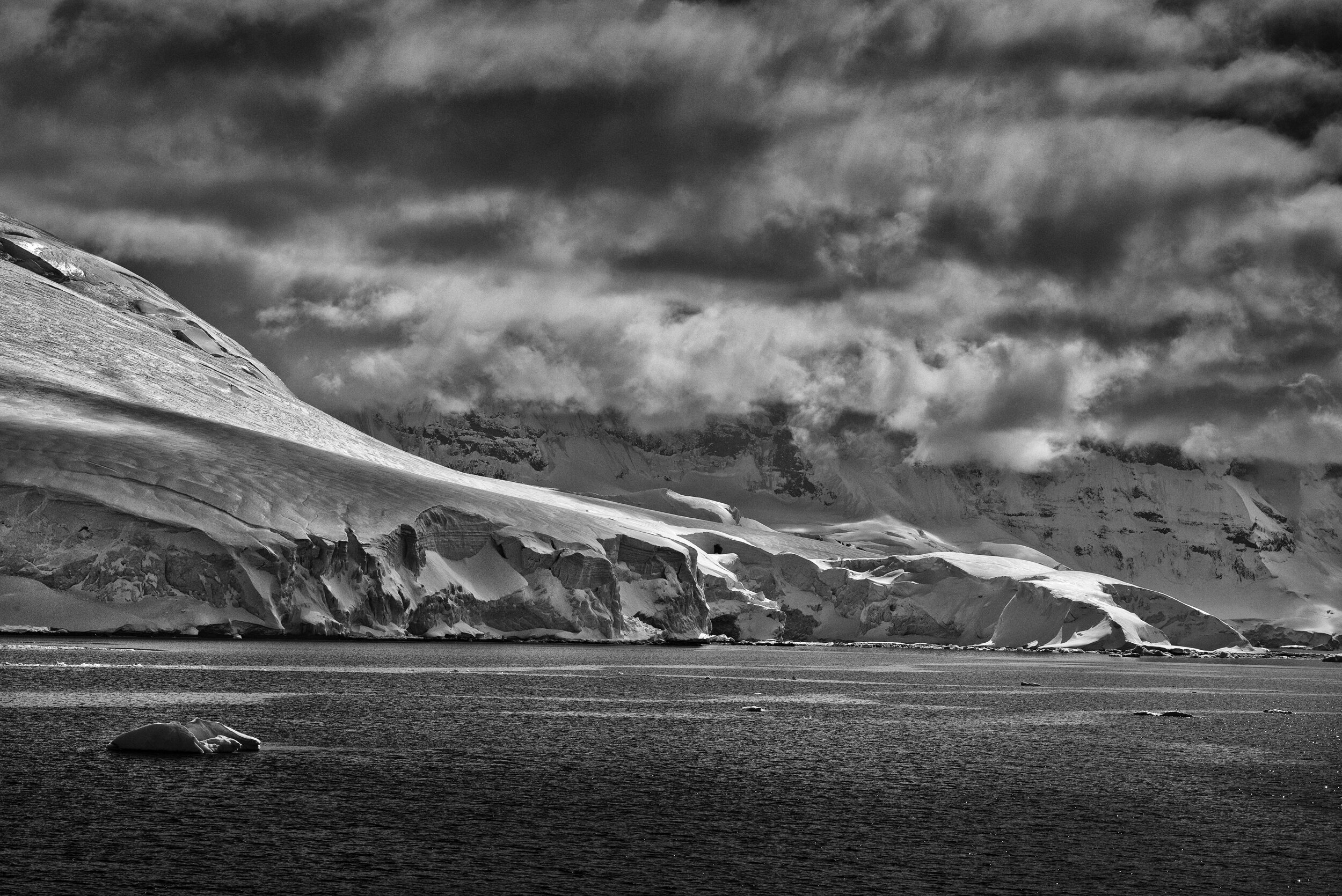 manuel_uebler_antarctica_bw_009.jpg