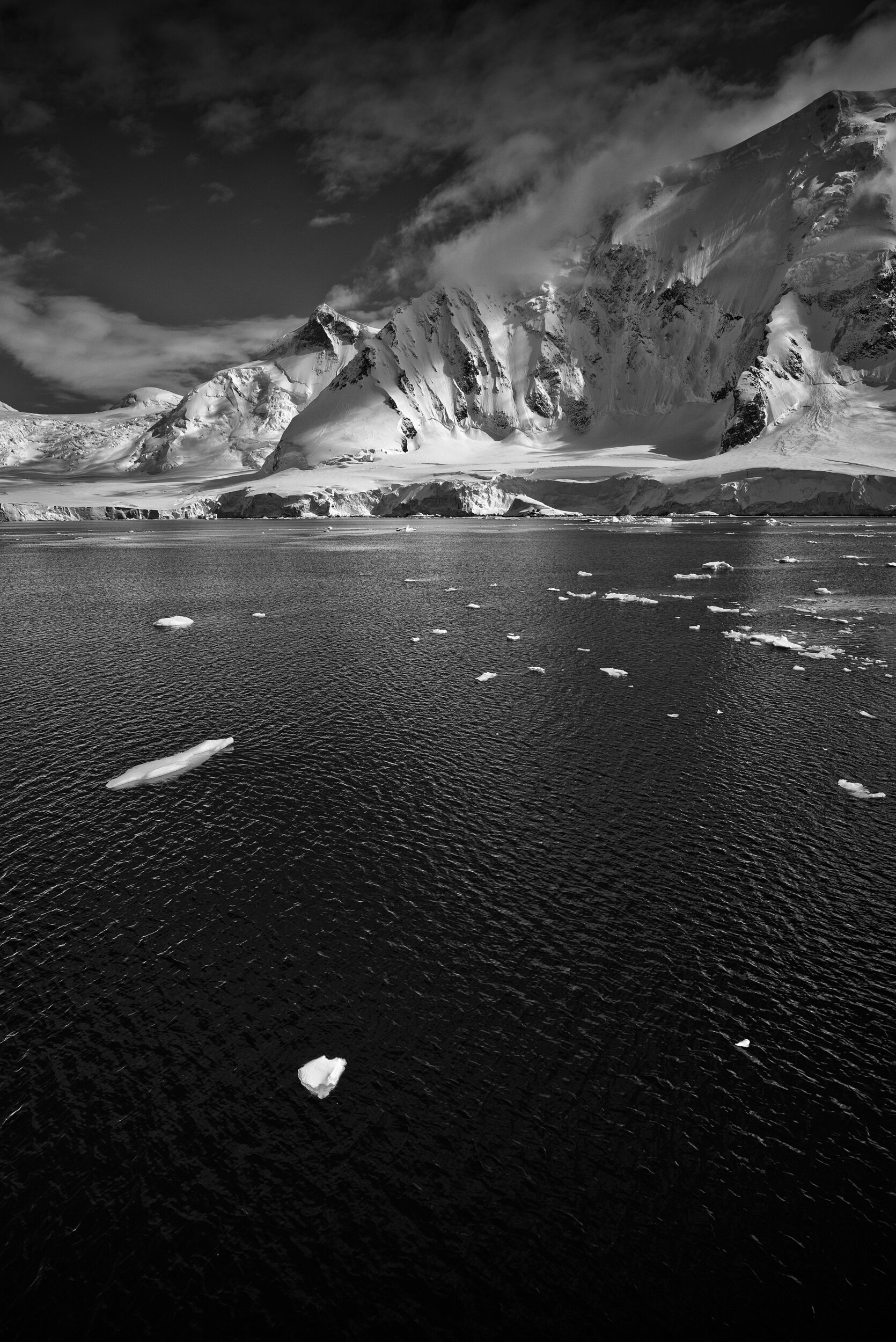 manuel_uebler_antarctica_bw_011.jpg