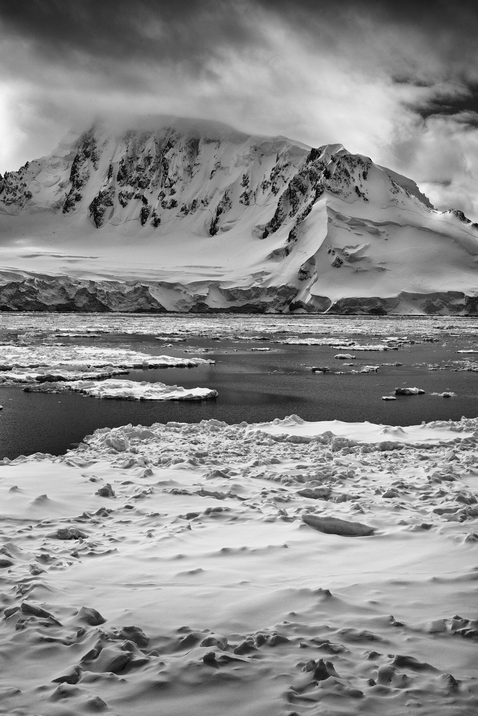 manuel_uebler_antarctica_bw_012.jpg