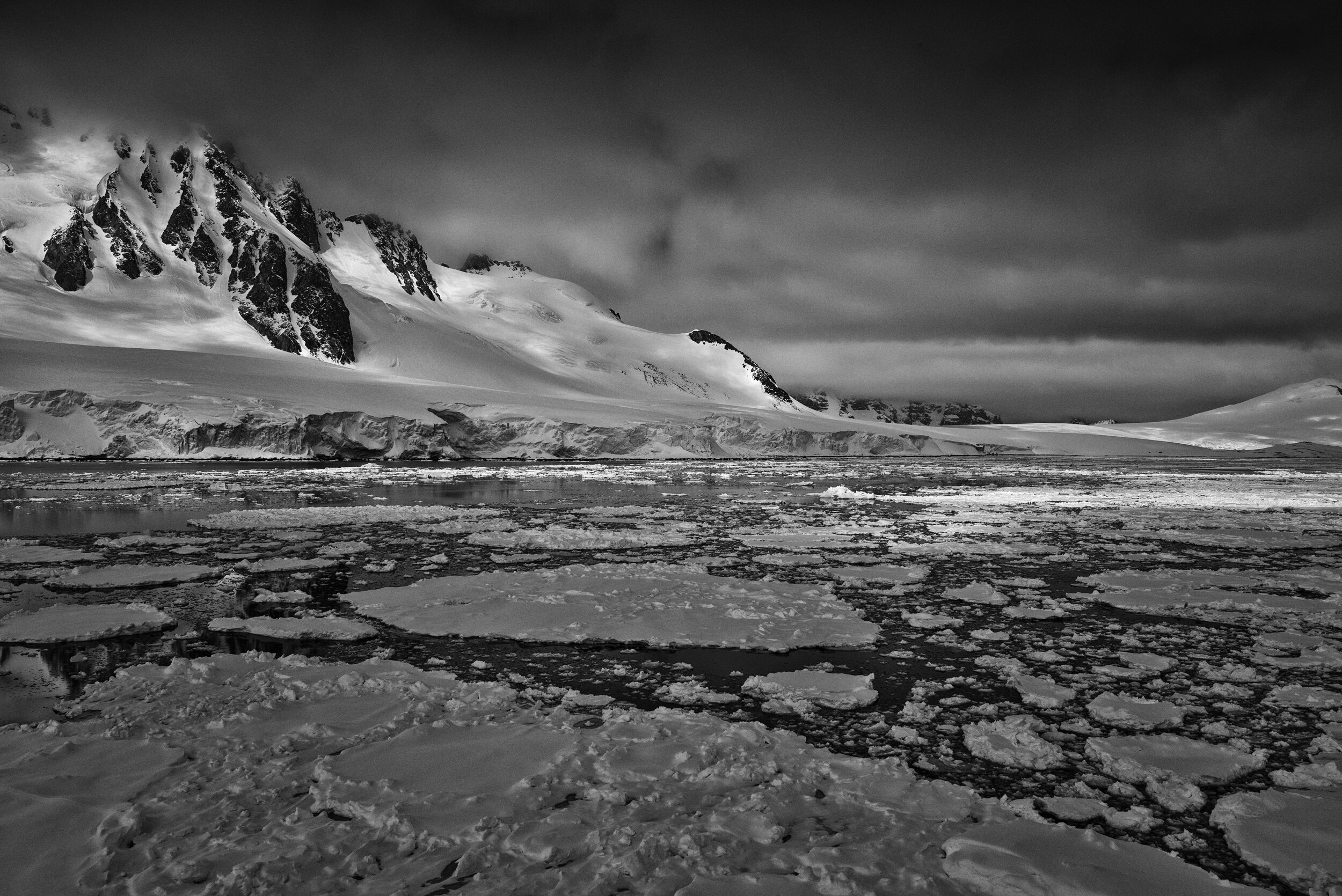 manuel_uebler_antarctica_bw_013.jpg