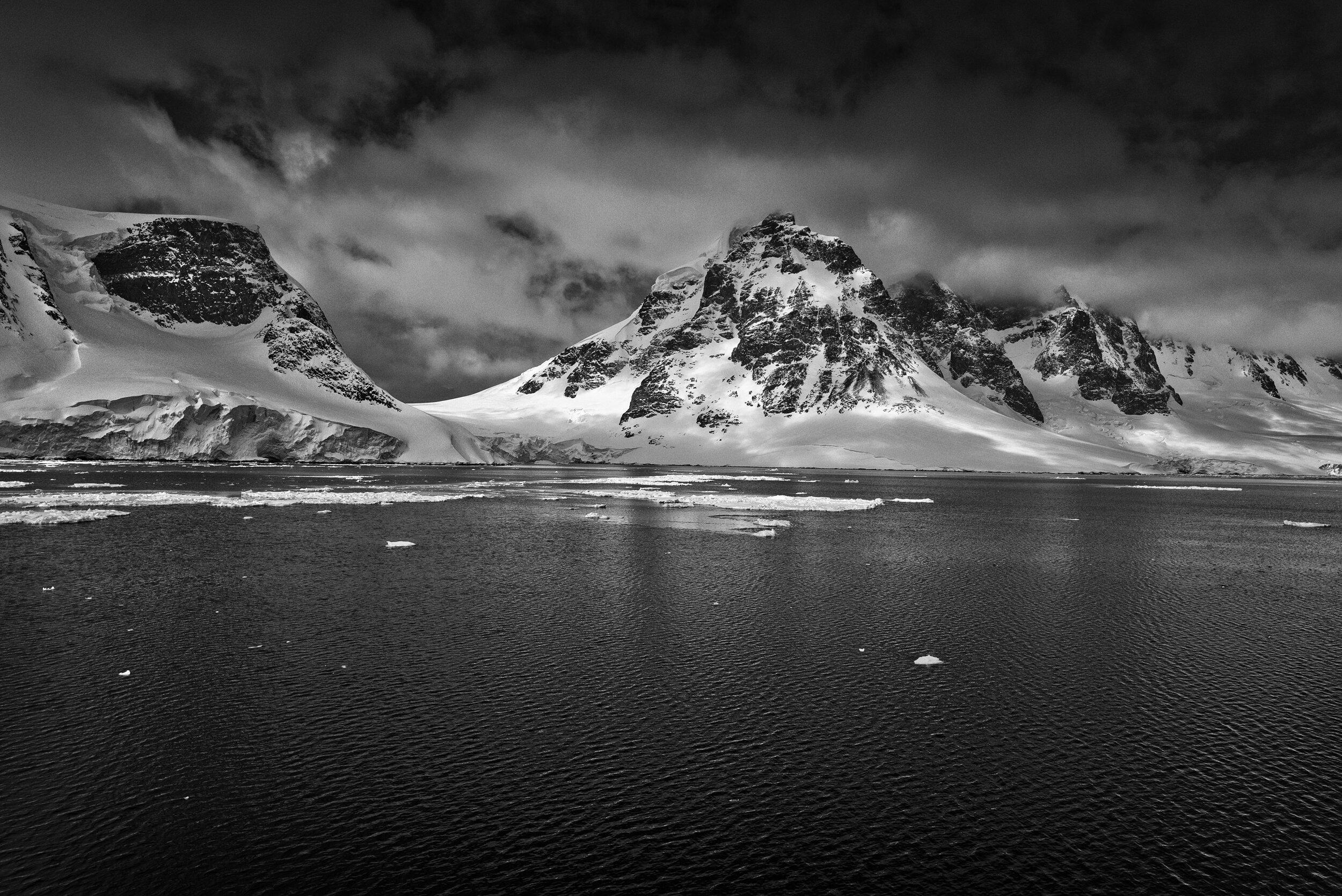 manuel_uebler_antarctica_bw_014.jpg