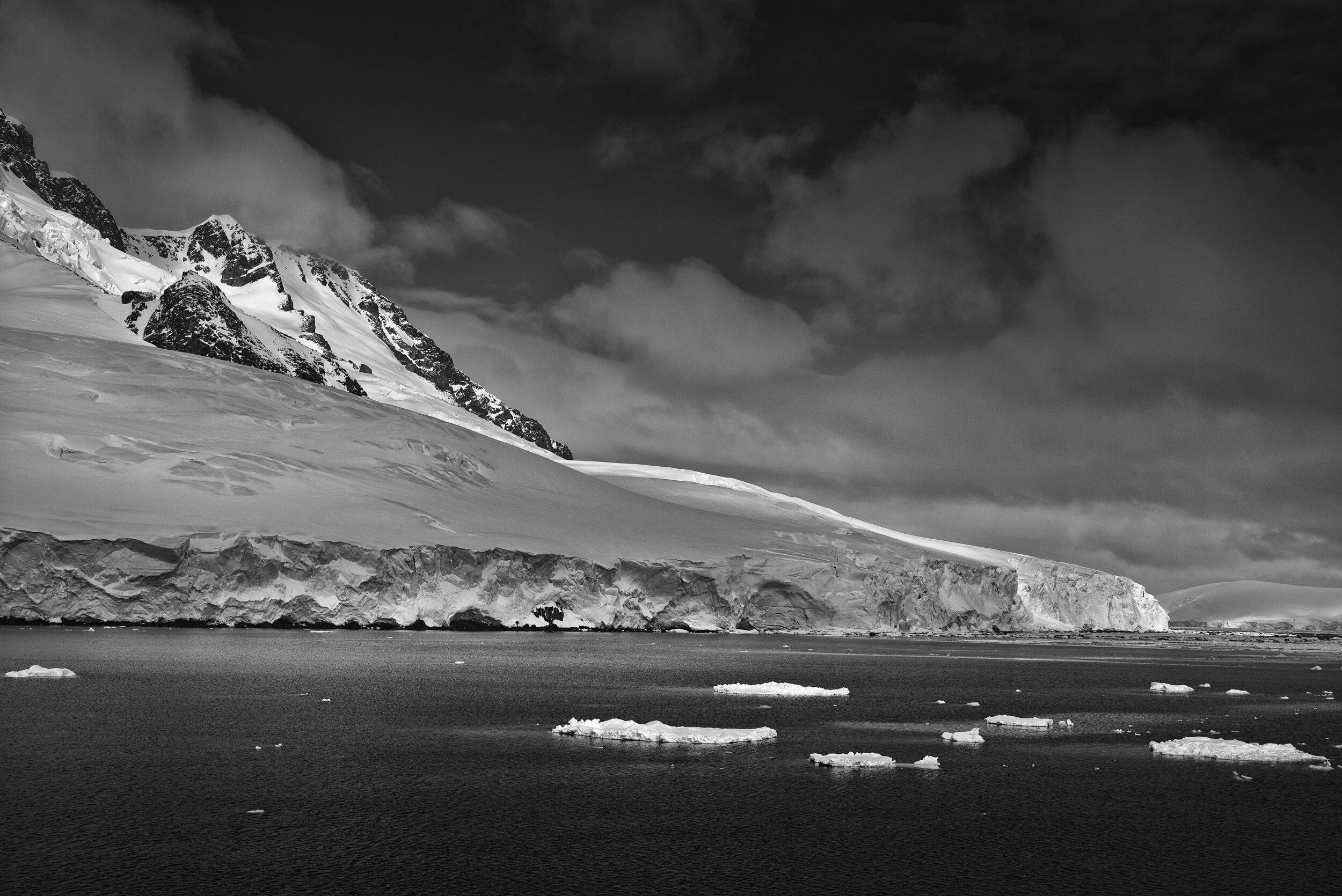 manuel_uebler_antarctica_bw_015.jpg