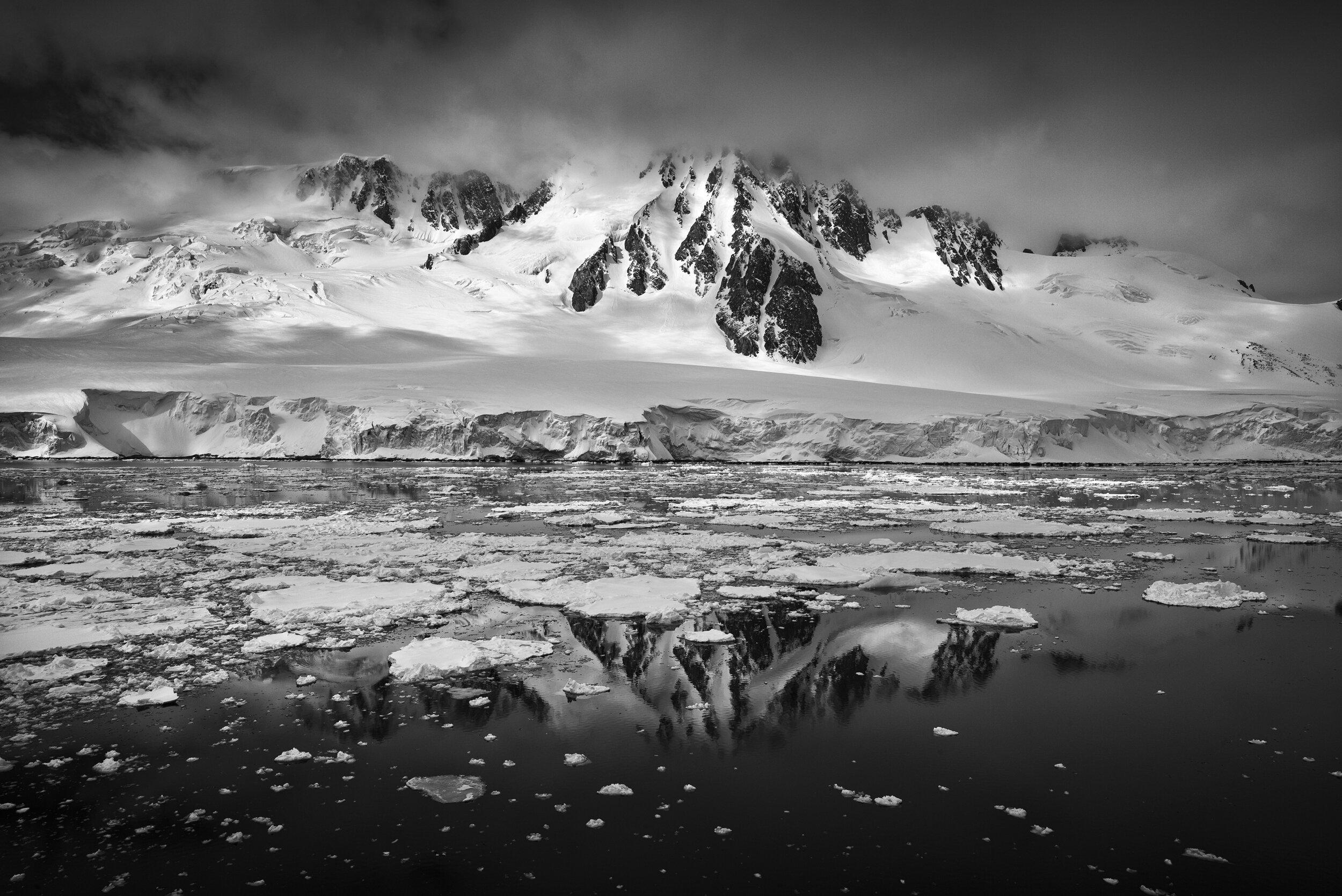 manuel_uebler_antarctica_bw_016.jpg