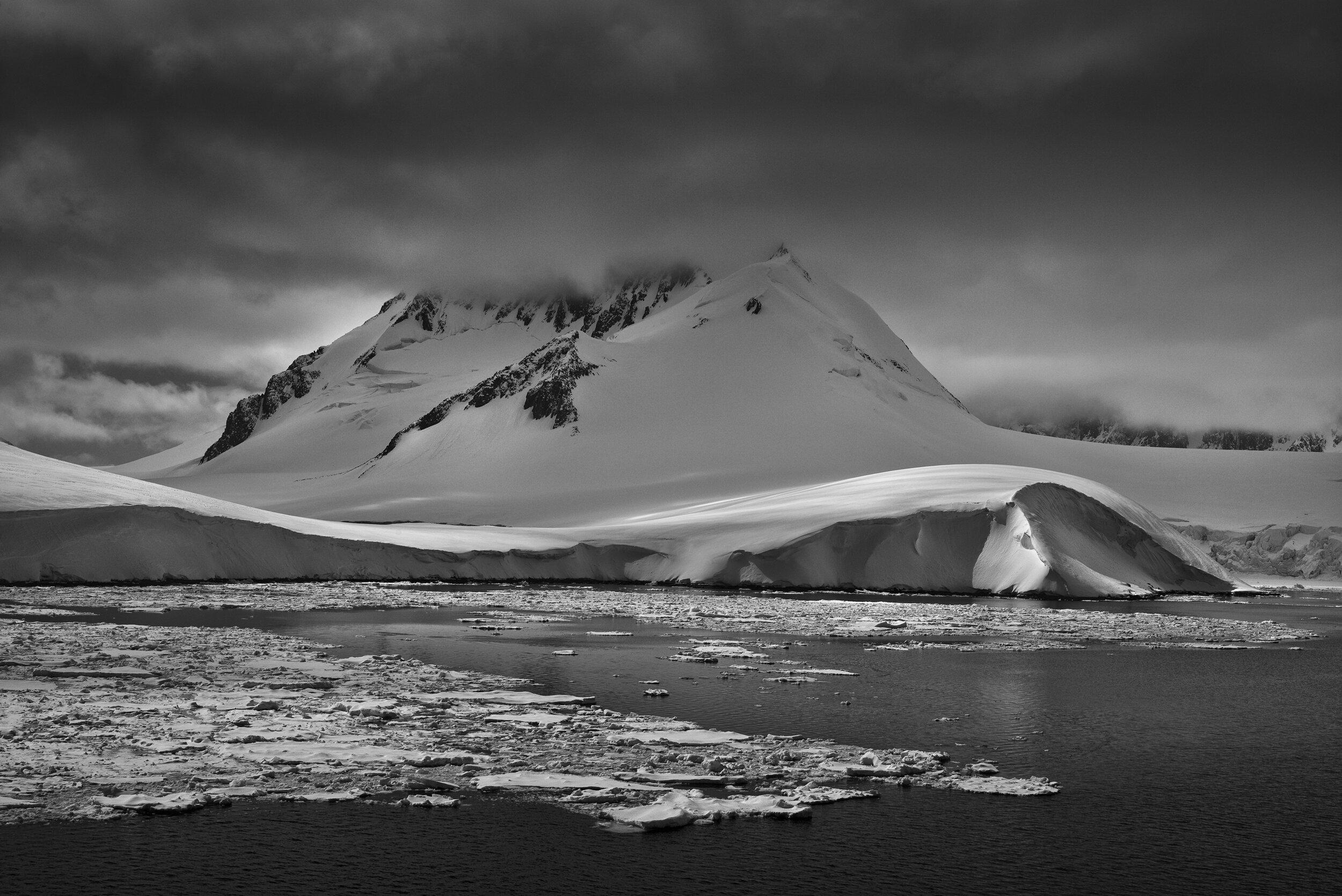manuel_uebler_antarctica_bw_018.jpg