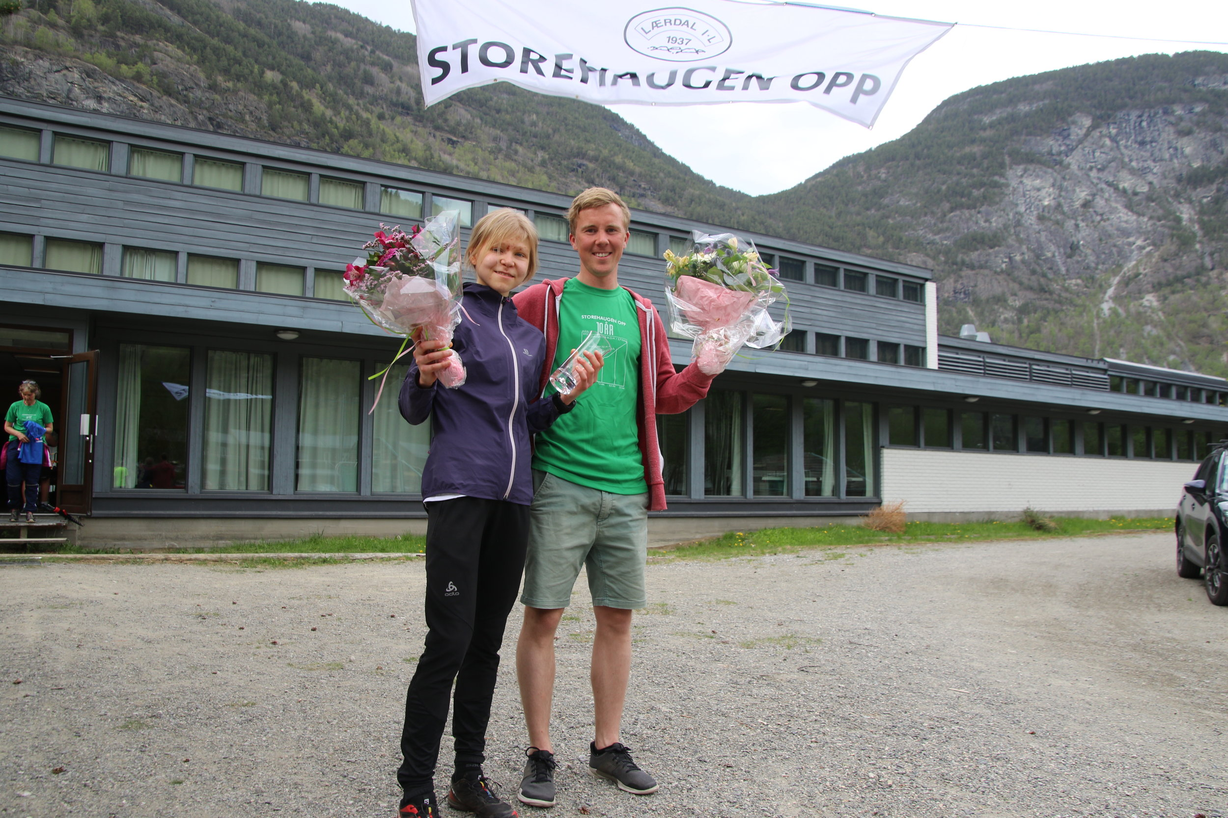 Vinnarane i kvinne- og herreklassa Elisabeth Hildenes og Erland Eldrupe.