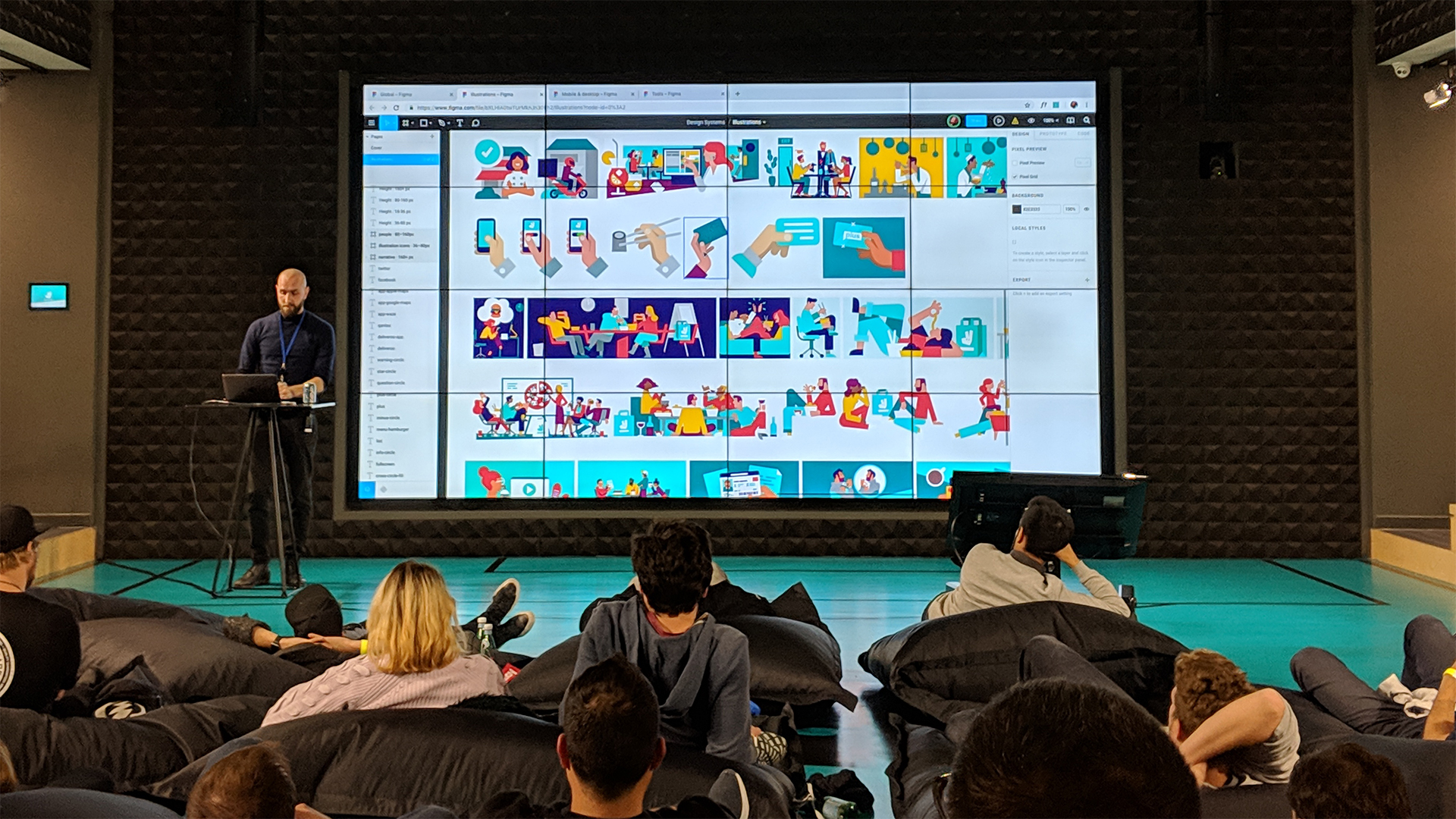 UI Infrastructure Design Manager Raphael Guilleminot presenting the Deliveroo design system in a talk to outside agencies and designers.
