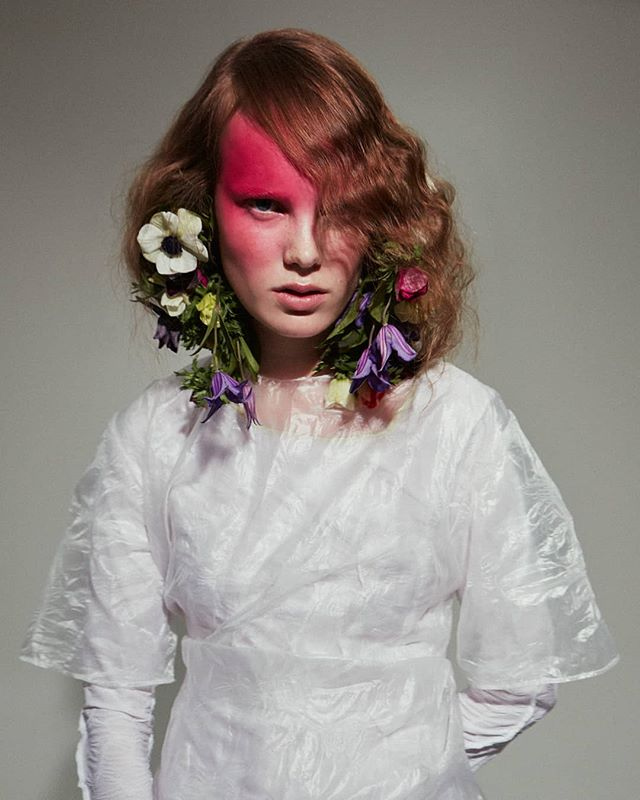 Support structure New story up featuring @linefeder in full bloom  Captured by @linusmorales for @infringemagazine Beauty @dausell Fashion editor @mayasoulpaustian . . . . . . . . . . . . . . . . . . #hair #hairstylist #editorial #hairstory #flowers #beauty #nature #ayoehair #hairdresser #model #beauty #sessionstylist #sessionhair #ayoeness #goingcrazy