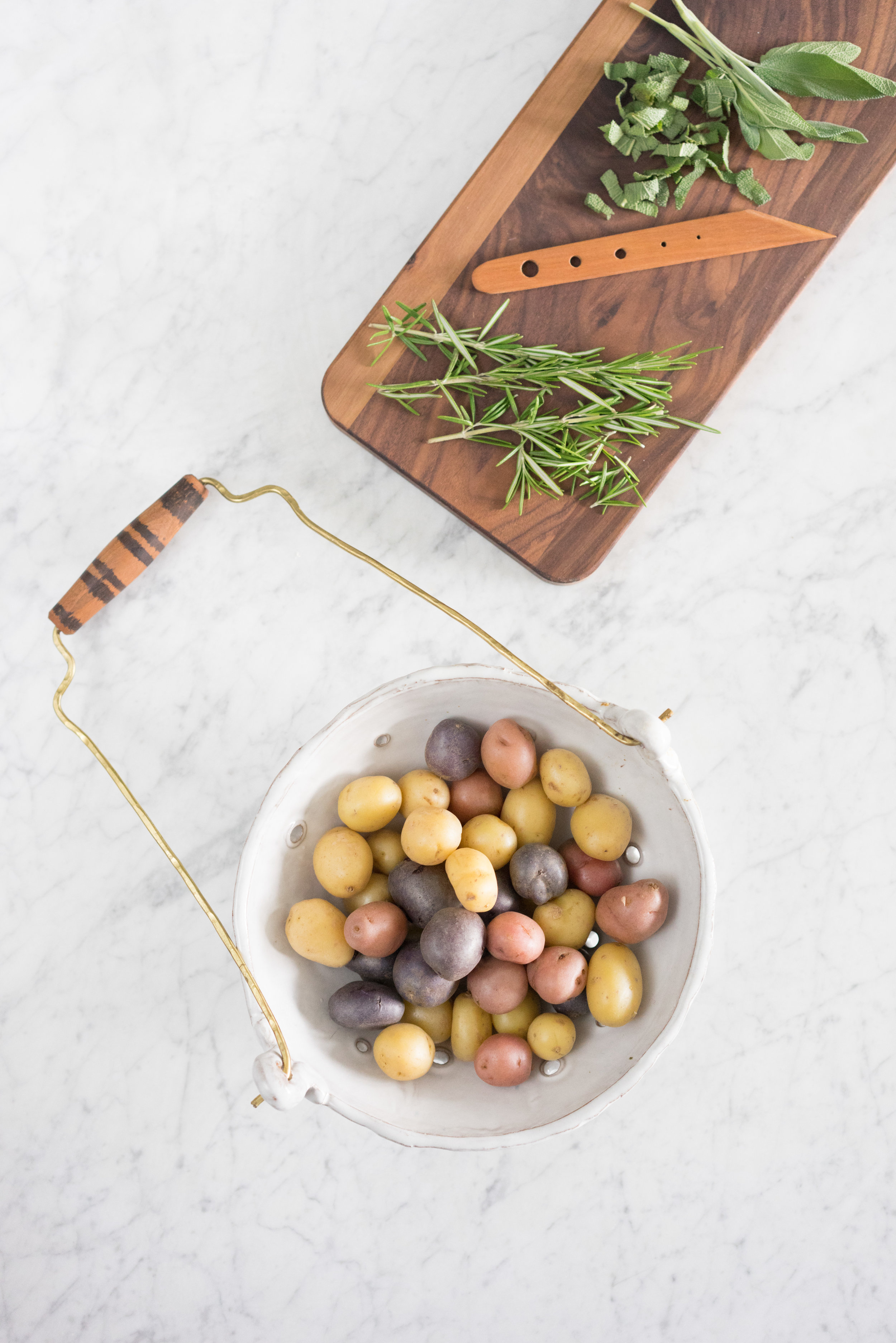 Herby, Garlicky Smashed Potatoes - the perfect side dish to accompany a meal!