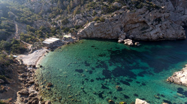 9-es-portitxol-beach-yoga-holiday-ibiza.jpg