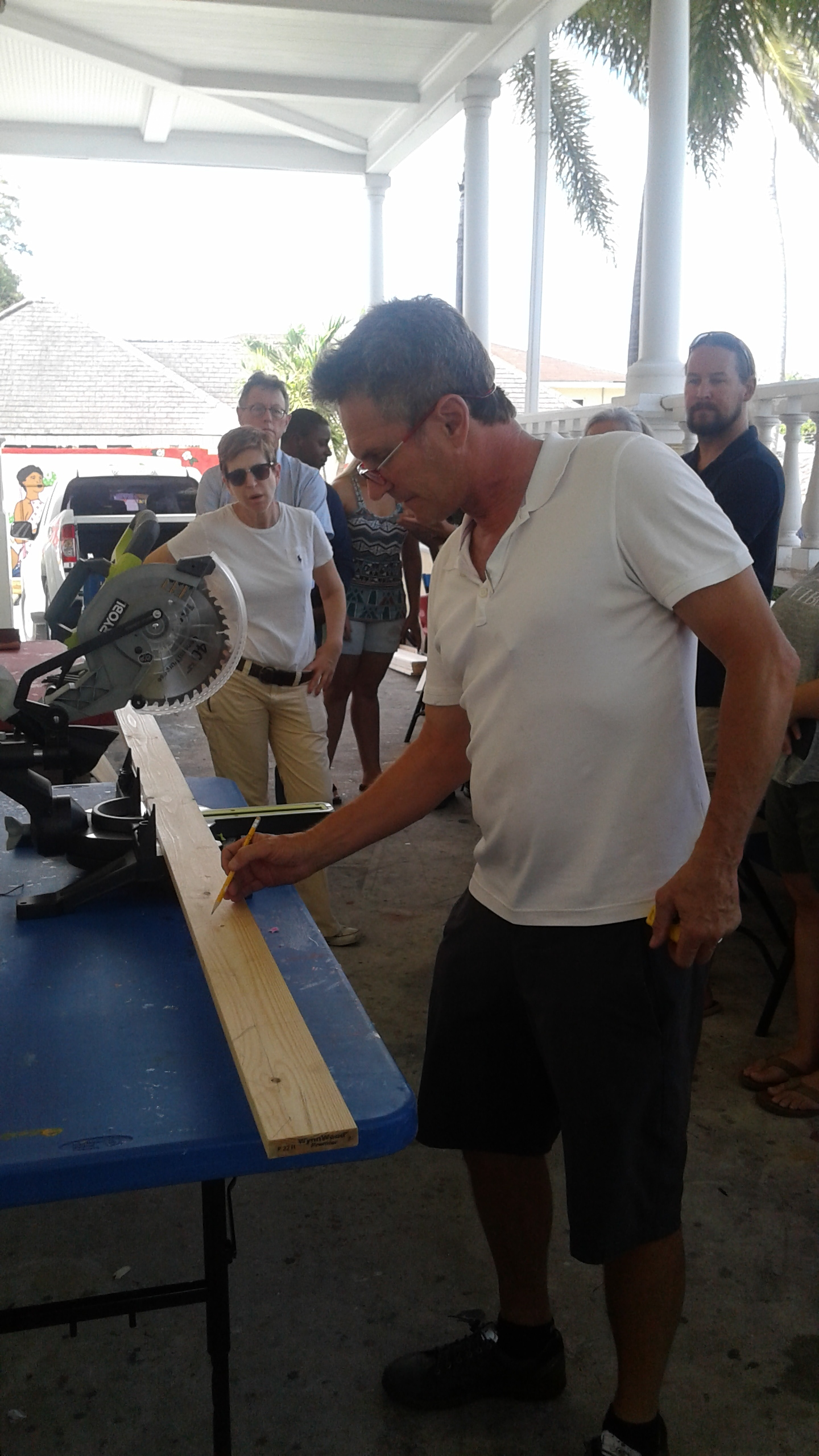 Thierry Lamare demonstrates the first step -measure and cut! Images courtesy of the NAGB.