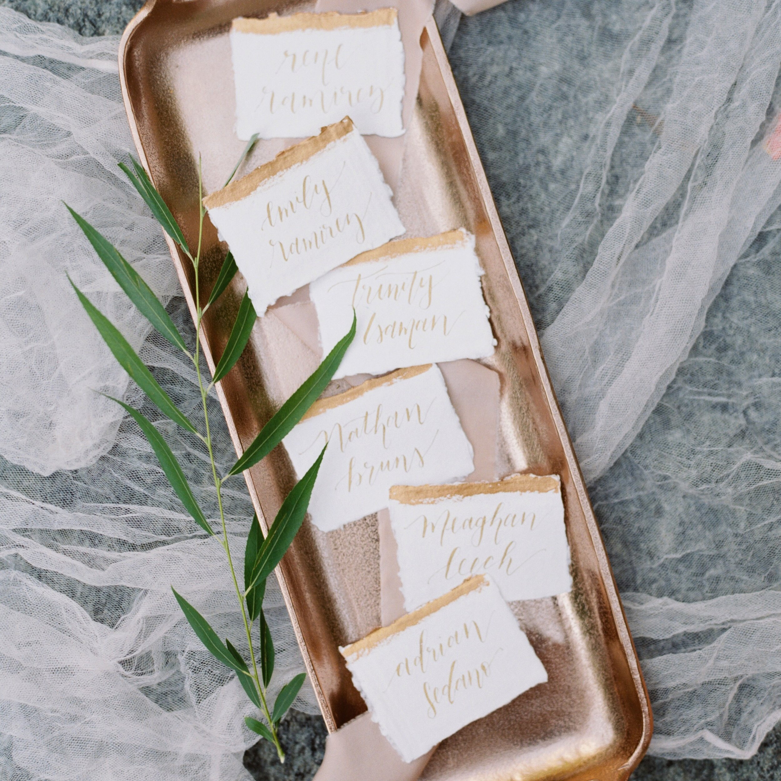 PRETTY POST CALLIGRAPHY SHANNON SKLOSS PHOTOGRAPHY GRIT & GOLD WEDDINGS THE SOUTHERN TABLE LA TAVOLA